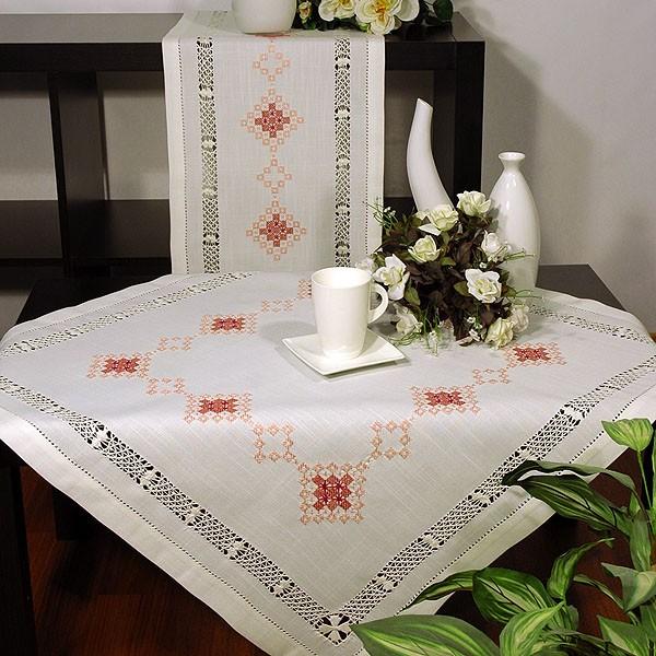 Скатерть Schaefer квадратная, с вышивкой, цвет: белый, 85  x 85 см скатерти schaefer скатерть 85 85см 80