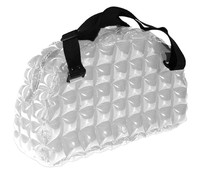 Сумка надувная спортивная Inflat Decor, цвет: серебристый. 00220022 SilverЯркая надувная сумка - великолепный аксессуар на лето! Сумка выполнена из ПВХ и снабжена ручками из полиэстера.Сумка легко надувается при помощи мини-насоса (входит в комплект) или рта. В сдутом виде сумка очень компактна и не займет много места.Надувная вместительная сумка - отличное решение для отдыха на пляже или похода в спортзал. Характеристики: Материал: ПВХ, полиэстер.Размер сумки: 42 см х 57 см х 15 см.
