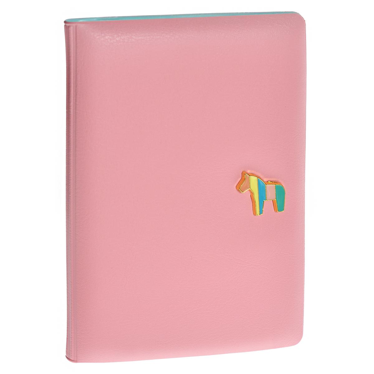 Обложка для паспорта Pony, цвет: розовый0901033Обложка для паспорта Pony не только поможет сохранить внешний вид ваших документов и защитить их от повреждений, но и станет стильным аксессуаром, идеально подходящим вашему образу. Обложка выполнена из ПВХ розового цвета и оформлена декоративным элементом из металла в виде миниатюрного пони. Внутри - кармашек из прозрачного пластика.Такая обложка станет замечательным подарком человеку, ценящему качественные и практичные вещи. Характеристики:Материал:ПВХ. Цвет: розовый. Размер обложки в сложенном виде: 9,5 см х 14 см х 1 см. Размер упаковки: 10 см х 14,5 см х 1,5 см. Артикул:0901033.