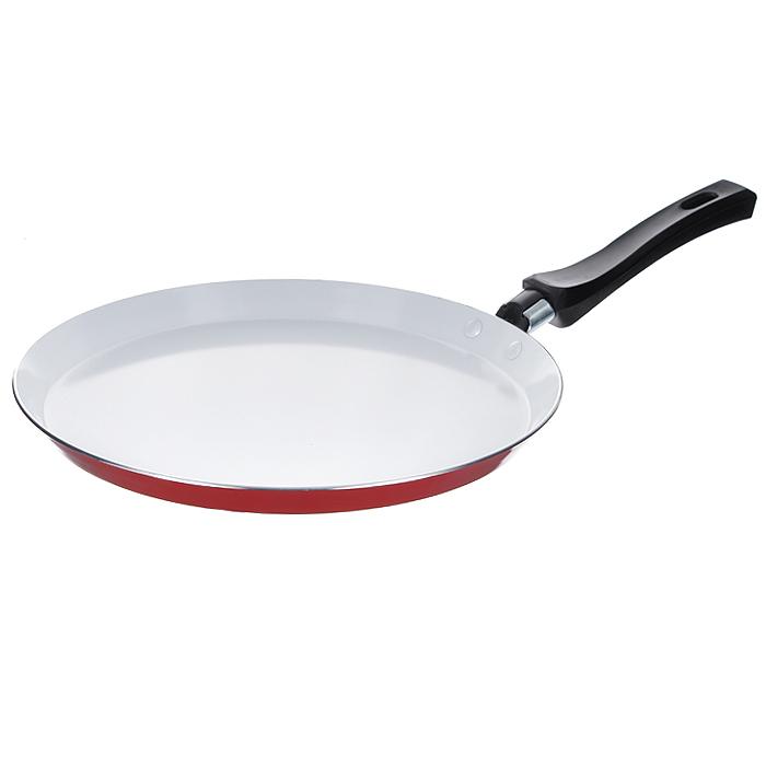 Сковорода блинная Mayer & Boch, с керамическим покрытием, цвет: красный. Диаметр 26 см20160 красныйБлинная сковорода Mayer & Boch изготовлена из алюминия с высококачественным антипригарным керамическим покрытием. Керамика не содержит вредных примесей ПФОК, что способствует здоровому и экологичному приготовлению пищи. Кроме того, с таким покрытием пища не пригорает и не прилипает к стенкам, поэтому можно готовить с минимальным добавлением масла и жиров. Гладкая, идеально ровная поверхность сковороды легко чистится, ее можно мыть в воде руками или вытирать полотенцем. Внешнее жаростойкое покрытие - красного цвета.Эргономичная ручка специального дизайна выполнена из бакелита черного цвета, удобна в эксплуатации.Сковорода подходит для использования на газовых и электрических плитах. Также изделие можно мыть в посудомоечной машине. Характеристики: Материал: алюминий, бакелит. Цвет: красный. Диаметр: 26 см. Высота стенки: 2 см. Толщина стенки: 0,23 см. Толщина дна: 0,3 см. Длина ручки: 16 см. Диаметр диска: 21,5 см. Артикул: 20160.