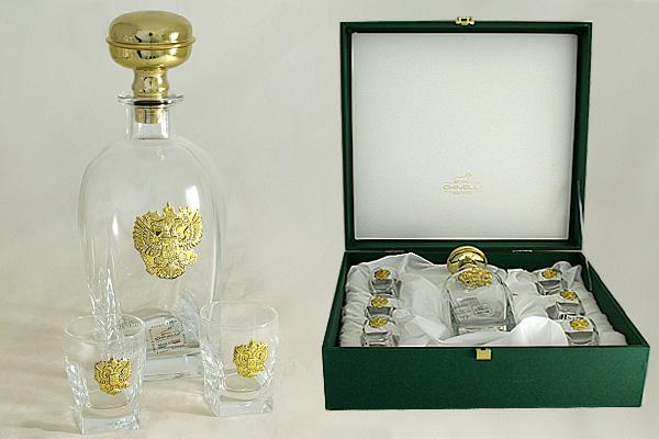 Набор для водки: штоф и 6 стопок Россия (золото)GA6963ALМатериал: Стекло. Цвет: серебряный. Серия: Изделия из стекла с металлом. Размер товара: штоф - 0,7 л; стопка - 75 мл (в коробке - 1 наб.).