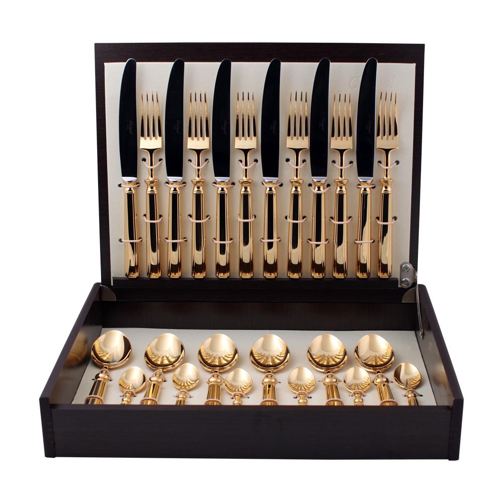 Набор столовых приборов Cutipol Piccadilly Gold, цвет: золотой, 24 предмета. 91419141Набор столовых приборов Piccadilly Gold от компании Cutipol. Набор выполнен из сплава нержавеющей стали 18% хрома и 10% никеля с покрытием из золота 24 карата 0.7 микрон. Позолоченные приборы подчеркнут ваш стиль и аристократический вкус. Толщина приборов - 3.5 мм. Можно мыть в посудомоечной машине.Набор столовых приборов 24 предмета на 6 персон в подарочной коробке. - 6 столовых вилок - 6 столовых ложек - 6 чайных ложек - 6 столовых ножей