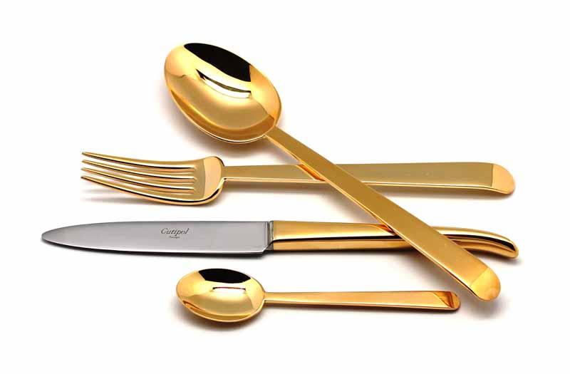Набор столовых приборов Ergo Gold, 24 предмета9121Причина популярности столовых приборов Cutipol заключается не только в долговечности изделий, но и в дизайне: от современных стильных форм, разработанных талантливыми дизайнерами, до никогда не выходящей из моды классики.Отменный блеск всех изделий является результатом многоуровневого процесса технологической полировки. Благодаря чему приборы максимально долго остаются гладкими и блестящими. Также все изделия имеют функционально удобную форму. Каждый прибор проходит ручную обработку.Лаконичное изящество наряду с универсальной коллекцией столовых приборов позволяет гармонично сочетать их с разнообразной по форме и декору посудой. Для дома, ресторана, кафе или в качестве подарка можно выбрать различный стиль и подобрать соответствующую серию. Все зависит от того, какую атмосферу вы хотите создать за столом и какие именно блюда планируете подавать гостям.Набор столовых приборов 24 предмета на 6 персон в подарочной коробке. - 6 столовых вилок - 6 столовых ложек - 6 чайных ложек - 6 столовых ножей