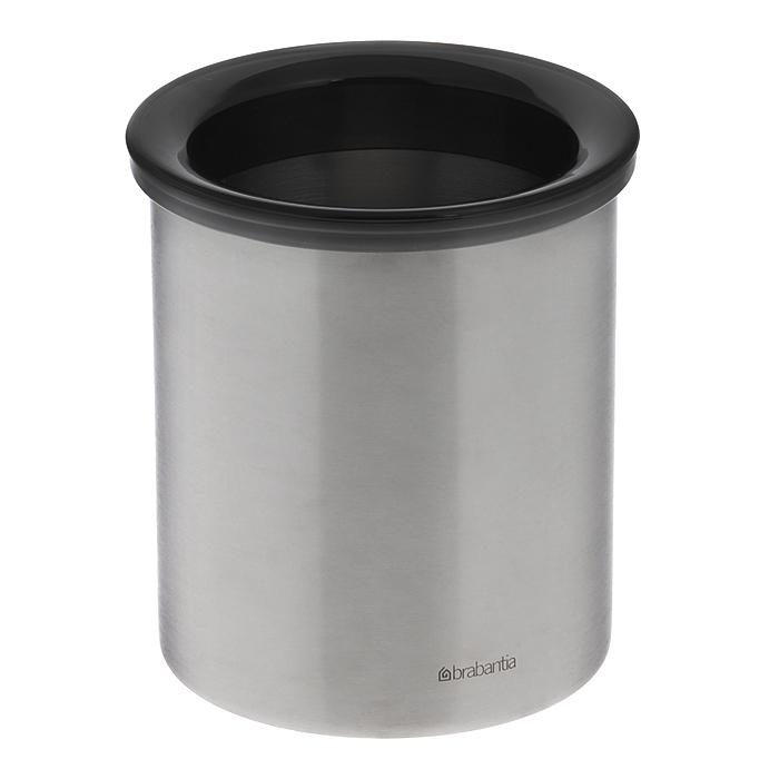 Контейнер для мусора Brabantia, настольный, цвет: стальной матовый, 700 мл. 371424371424Стильное, компактное и эстетичное решение для сбора мусора на вашем столе – всегда опрятный стол. Легко моется – контейнер можно мыть в посудомоечной машине, предварительно сняв пластиковое кольцо. Изделие может использоваться в офисах, на предприятиях общественного питания и в различных учреждениях. Прочное долговечное изделие – корпус изготовлен из бесшовной нержавеющей стали.
