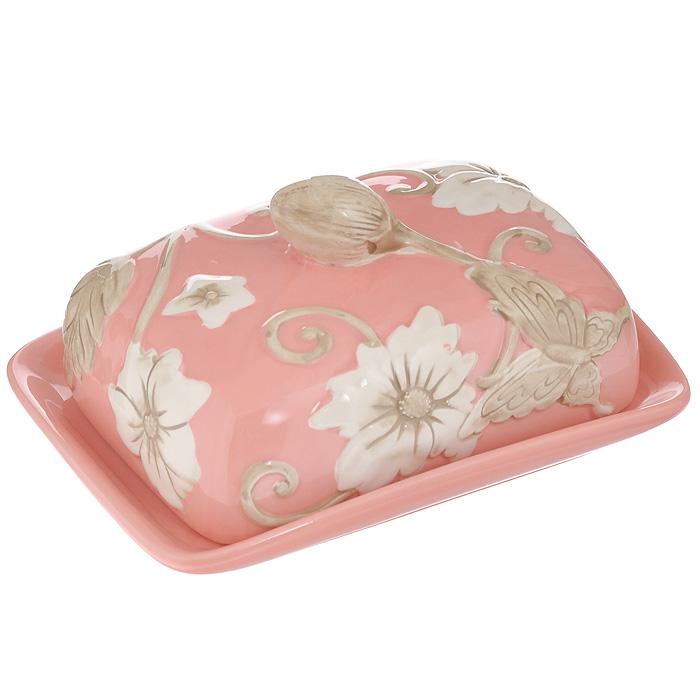 """Масленка Mayer & Boch """"Розы"""", изготовленная из высококачественного доломита розового цвета, предназначена для красивой сервировки и хранения масла. Она состоит из подноса и крышки с ручкой, оформленной цветочным рельефом. Масло в ней долго остается свежим, а при хранении в холодильнике не впитывает посторонние запахи. Прекрасный дизайн изделия идеально подойдет для сервировки стола. Гладкая поверхность обеспечивает легкую чистку. Может использоваться в микроволновой печи и посудомоечной машине. Не боится низких температур. Характеристики:  Материал: доломит. Цвет: розовый. Размер подноса (Д х Ш х В): 17 см х 12 см х 2 см. Размер крышки (Д х Ш х В): 14 см х 10 см х 7 см. Размер упаковки: 17 см х 12,5 см х 9 см. Артикул: MN22444."""