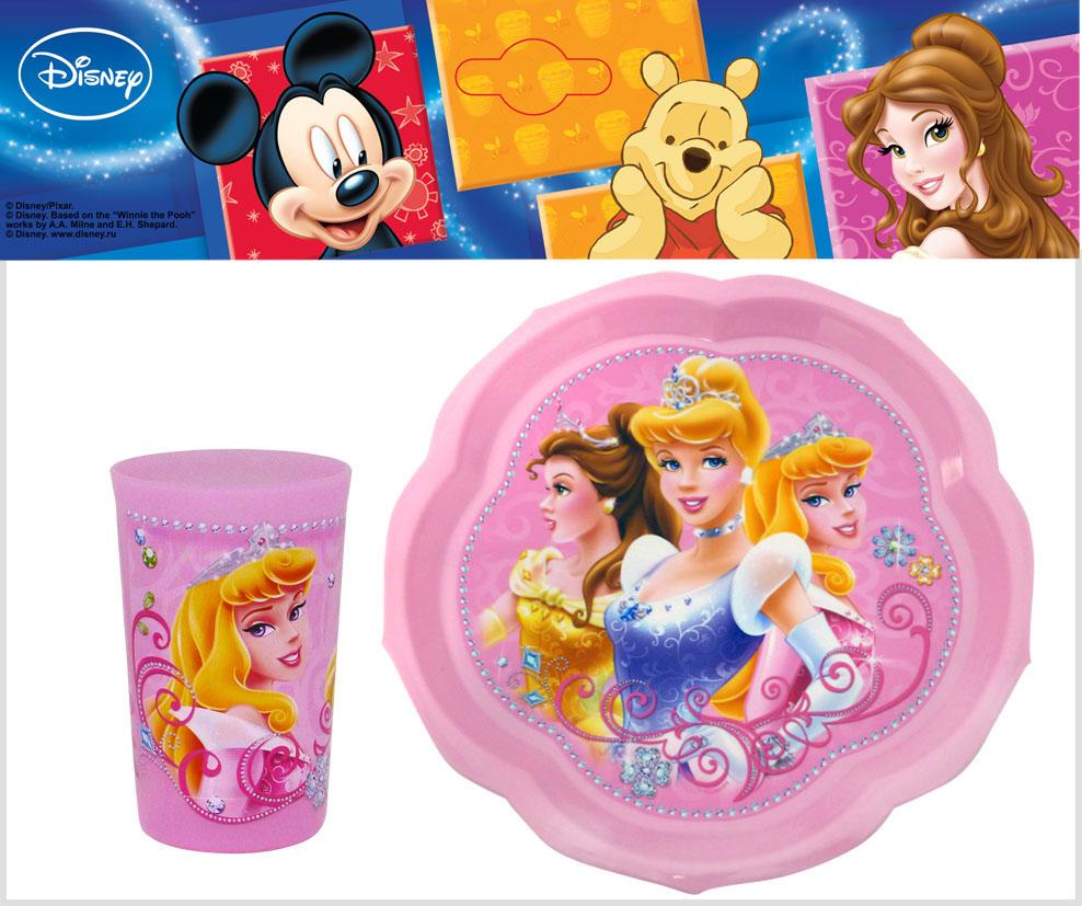 Набор детской посуды Принцессы, цвет: розовый, 2 предмета654N2Набор детской посуды Принцессы состоит из фигурной тарелки и стакана. Посуда, выполненная из пищевого пластика розового цвета, оформлена изображениями принцесс, героинь диснеевских мультфильмов.Небьющаяся посуда, красивая, легкая и удобная в уходе, прекрасно выдерживает горячую пищу.Ваш малыш с удовольствием будет кушать вместе с любимыми героями. Характеристики: Размер тарелки: 22 см х 22 см х 1,5 см. Объем стакана: 300 мл. Высота стакана: 10,5 см.