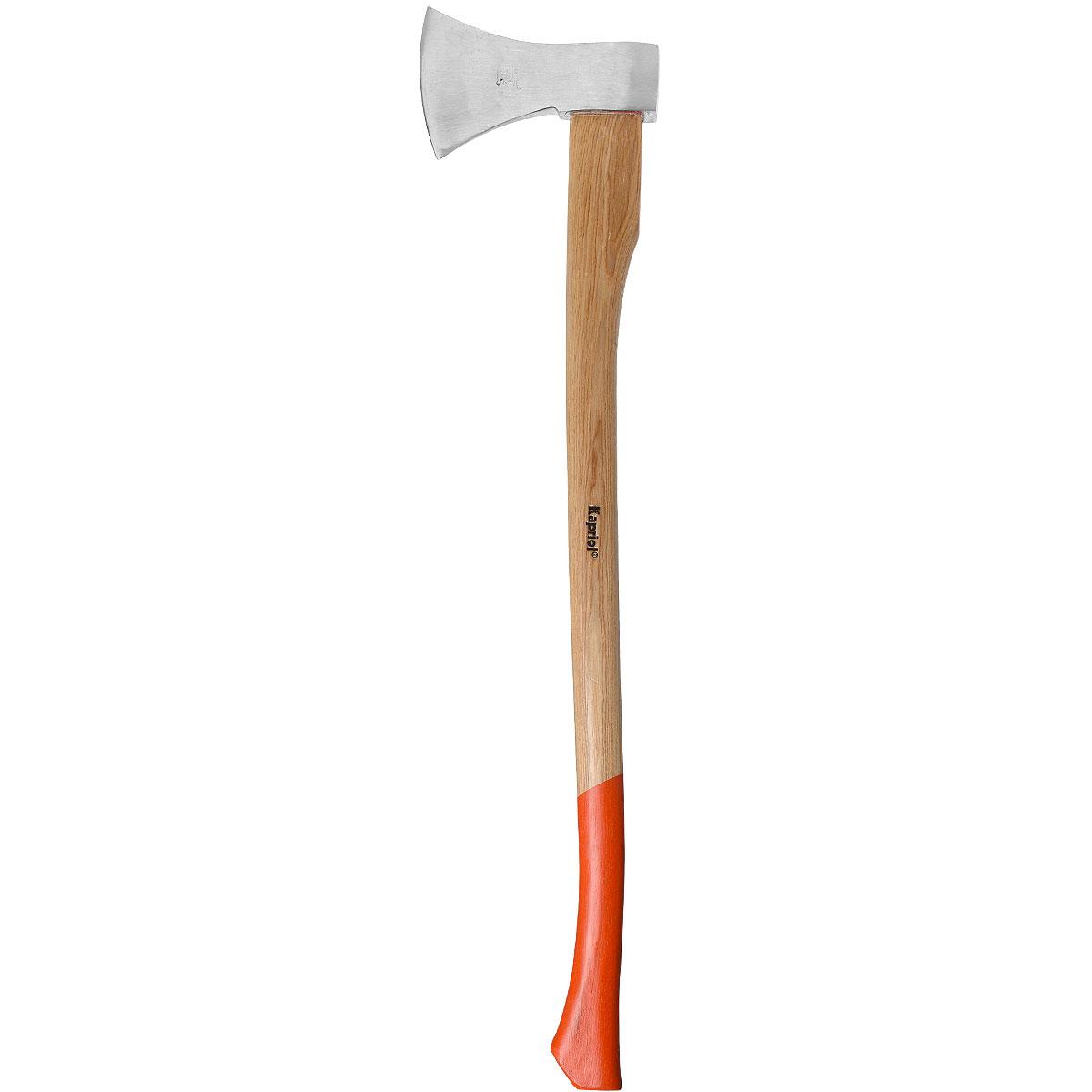 Топор Kapriol, 1600 г, длина 90 см50265Колун Kapriol с длинной деревянной рукояткой предназначен для рубки дров. Материал головки топора: легированная сталь с присадками никеля, хрома и молибдена, что обеспечивает высокую прочность и вязкость; Термическая обработка головки повышают ударопрочность и увеличивают срок службы; Поверхностный слой головки закален, что обеспечивает высокую твердость молотка; Головка колуна соединена с топорищем с помощью прочного эпоксидного клея; Деревянная рукоятка имеет форму соответствующую очертаниям руки, что повышает точность удара и снижает усталость при работе.