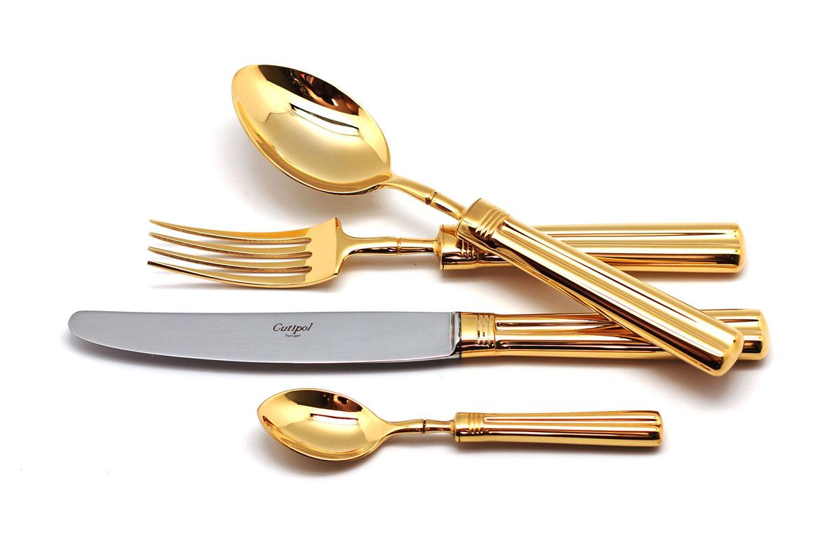 Набор столовых приборов Cutipol Fontainebleau Gold, цвет: золотой, 72 предмета. 9161-729161-72Набор столовых приборов Fontainebleau Gold от компании Cutipol. Набор выполнен из сплава нержавеющей стали 18% хрома и 10% никеля с покрытием из золота. Позолоченные приборы подчеркнут ваш стиль и аристократический вкус. Эти стильные столовые приборы станут настоящей изюминкой в сервировке вашего стола. Красивые вилки, ложки, ножи и другие приборы, представленные в наборе, оформлены в современном стиле. Любой обед станет настоящим торжеством, если на столе будут эти изящные, со вкусом выполненные приборы. Толщина приборов - 3.5 мм. Можно мыть в посудомоечной машине.В набор входит:-ложки столовые - 12 шт;-вилки столовые - 12 шт;-ножи столовые - 12 шт;-вилка десертная - 12 шт;-ложка чайная - 12 шт;-ложка сервировочная - 1 шт;-ложка для сахара - 1 шт;-вилка для мяса - 1 шт;-нож для мяса - 1 шт;-лопатка для торта - 1 шт;-набор для салата - 2 шт;-нож для масла - 2 шт;-нож для сыра - 2 шт;-ложка разливная - 1 шт.