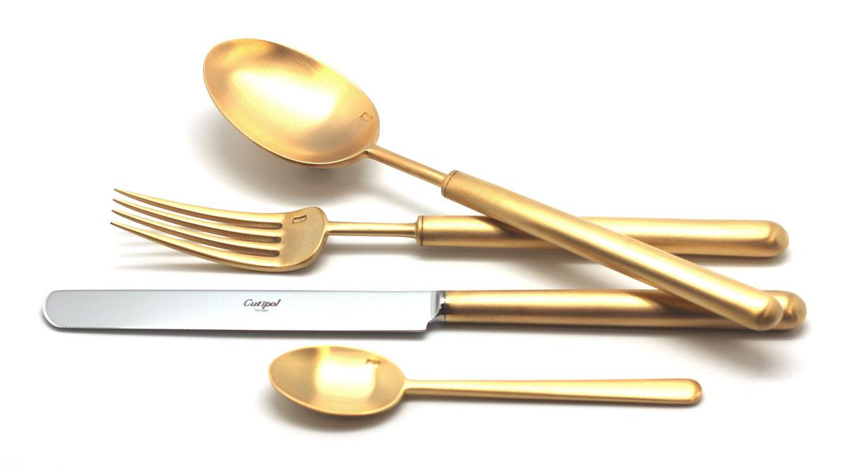 Набор столовых приборов Cutipol Bali Gold, цвет: золотой, матовый, 72 предмета. 9312-729312-72Набор столовых приборов Bali Gold от компании Cutipol. Набор выполнен из сплава нержавеющей стали 18% хрома и 10% никеля с покрытием из золота. Позолоченные приборы подчеркнут ваш стиль и аристократический вкус. Эти стильные столовые приборы станут настоящей изюминкой в сервировке вашего стола. Красивые вилки, ложки, ножи и другие приборы, представленные в наборе, оформлены в современном стиле. Любой обед станет настоящим торжеством, если на столе будут эти изящные, со вкусом выполненные приборы. Толщина приборов - 3.5 мм. Можно мыть в посудомоечной машине. В набор входит:-ложки столовые - 12 шт;-вилки столовые - 12 шт;-ножи столовые - 12 шт;-вилка десертная - 12 шт;-ложка чайная - 12 шт;-ложка сервировочная - 1 шт;-ложка для сахара - 1 шт;-вилка для мяса - 1 шт;-нож для мяса - 1 шт;-лопатка для торта - 1 шт;-набор для салата - 2 шт;-нож для масла - 2 шт;-нож для сыра - 2 шт;-ложка разливная - 1 шт.