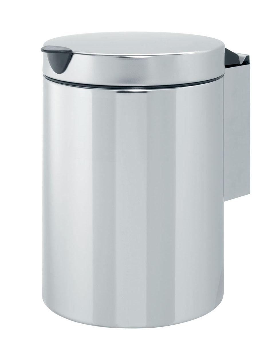 Бак мусорный Brabantia, настенный, цвет: стальной полированный, 3 л. 218644218644Отличный выбор для ванной комнаты и туалета! Бесшумный и не пропускающий запах бак. Удобная очистка – съемное внутреннее ведро из пластика. Настенный бак легко снимается с изготовленного из нержавеющей стали держателя для оптимальной очистки. Долговечность – изготовлен из высококачественных коррозионно-стойких материалов. Всегда опрятный вид – идеально подходящие по размеру мешки для мусора со стягивающей лентой (размер A). 10-летняя гарантия Brabantia.