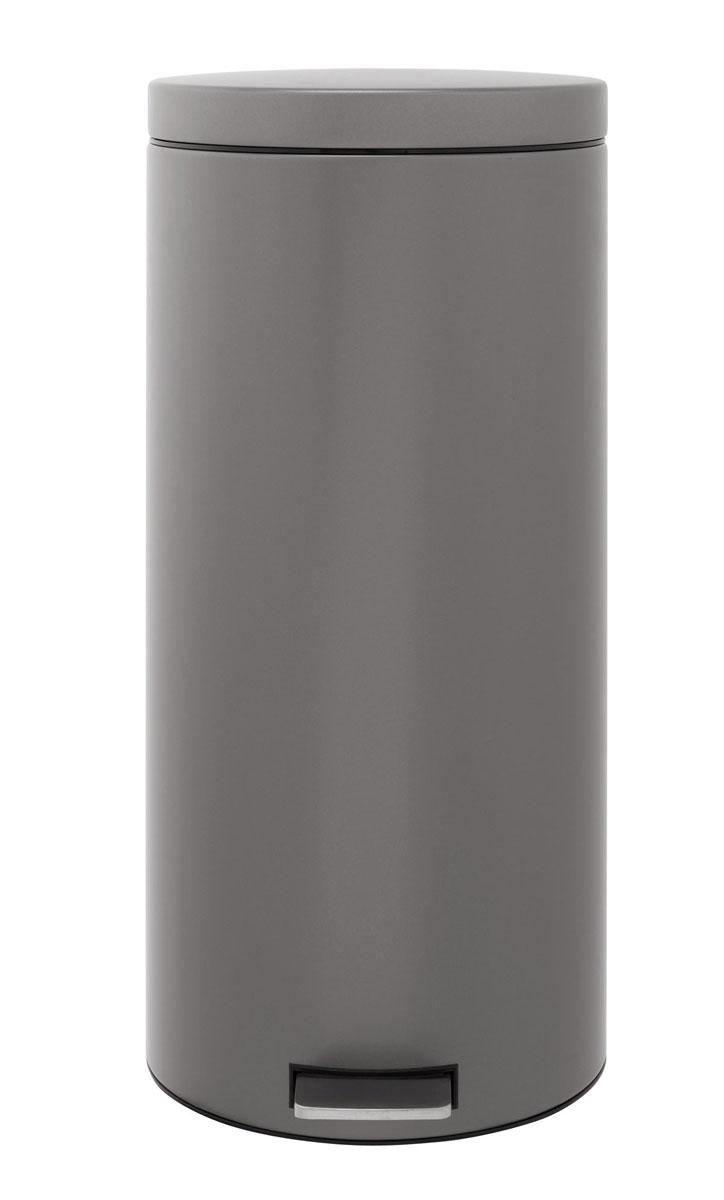 Бак мусорный Brabantia Классический, с педалью, цвет: платиновый, 30 л288326Педальный бак Brabantia на 30 л поистине универсален и идеально подходит для использования на кухне или в гостиной. Предотвращает распространение запахов – прочная не пропускающая запахи металлическая крышка. Плавное и бесшумное открывание/закрывание крышки. Надежный педальный механизм, высококачественные коррозионно-стойкие материалы. Удобный в использовании – при открывании вручную крышка фиксируется в открытом положении, закрывается нажатием педали. Удобная очистка – съемное внутреннее ведро из пластика. Бак удобно перемещать – прочная ручка для переноски. Предохранение пола от повреждений – пластиковый защитный обод. Всегда опрятный вид – идеально подходящие по размеру мешки для мусора со стягивающей лентой (размер G). 10-летняя гарантия Brabantia.