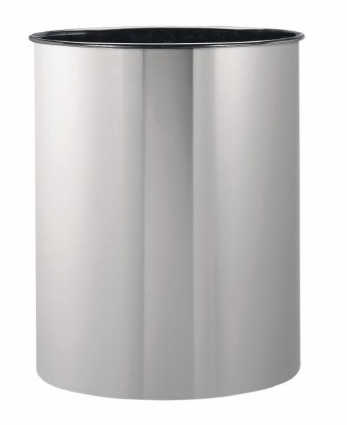 Корзина для бумаг Brabantia, цвет: матовая сталь, 15 л313387Ищете простую, но в то же время элегантную корзину для бумаг? Данная модель на 15 литров - идеальный вариант для любого помещения, будь то спальня, гостиная или офис. Компактный размер позволяет установить корзину в любом уголке - эстетично и не бросается в глаза; Универсальность - подходит как для домашнего использования, так и для использования в офисе;Долговечность - корзина изготовлена из коррозионно-стойких материалов; Удобная очистка; Корпус изготовлен из высококачественной цветной или оцинкованной стали;Перфорация - элегантный дизайн и дополнительная легкость; 10-летняя гарантия Brabantia. Характеристики: Материал: сталь.Размер: 535*270*338мм.Артикул: 313387.