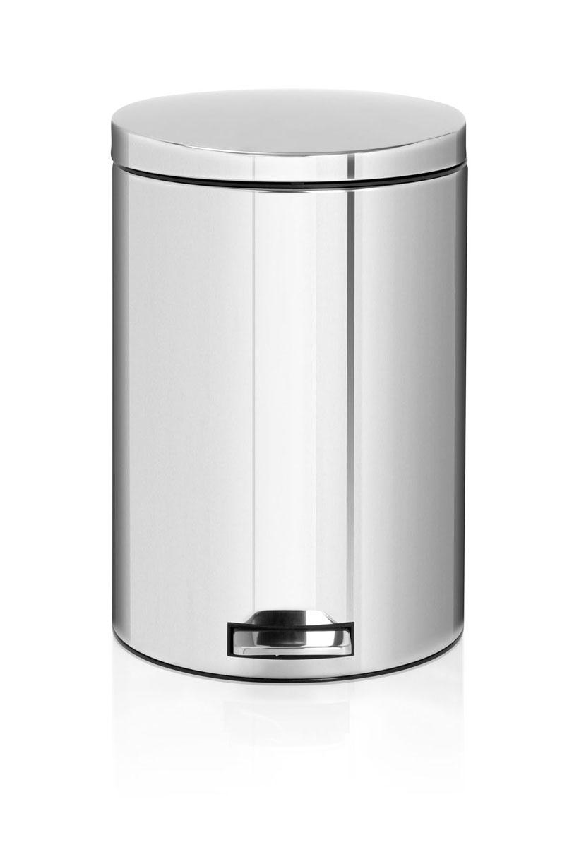 Бак мусорный Brabantia Бесшумный, с педалью, цвет: стальной, 20 л478369Элегантный и функциональный мусорный бак Brabantia с педалью на 20 л идеально подходит для использования на кухне и сортировки мусора. Предотвращает распространение запахов – прочная не пропускающая запахи металлическая крышка. Мягкий ход педали и бесшумное открытие/закрытие крышки. Надежный педальный механизм, высококачественные коррозионно-стойкие материалы. Удобный в использовании – при открывании вручную крышка фиксируется в открытом положении, закрывается нажатием педали. Идеальное решение для раздельного сбора мусора – съемное отдельное ведро для отходов, пригодных для компостирования (1,5л). Удобная очистка – съемное внутреннее пластиковое ведро. Бак удобно перемещать – прочная ручка для переноски. Отличная устойчивость даже на мокром и скользком полу – противоскользящее основание. Предохранение пола от повреждений – пластиковый защитный обод. Всегда опрятный вид – идеально подходящие по размеру мешки для мусора со стягивающей лентой (размер E). 10–летняя гарантия Brabantia