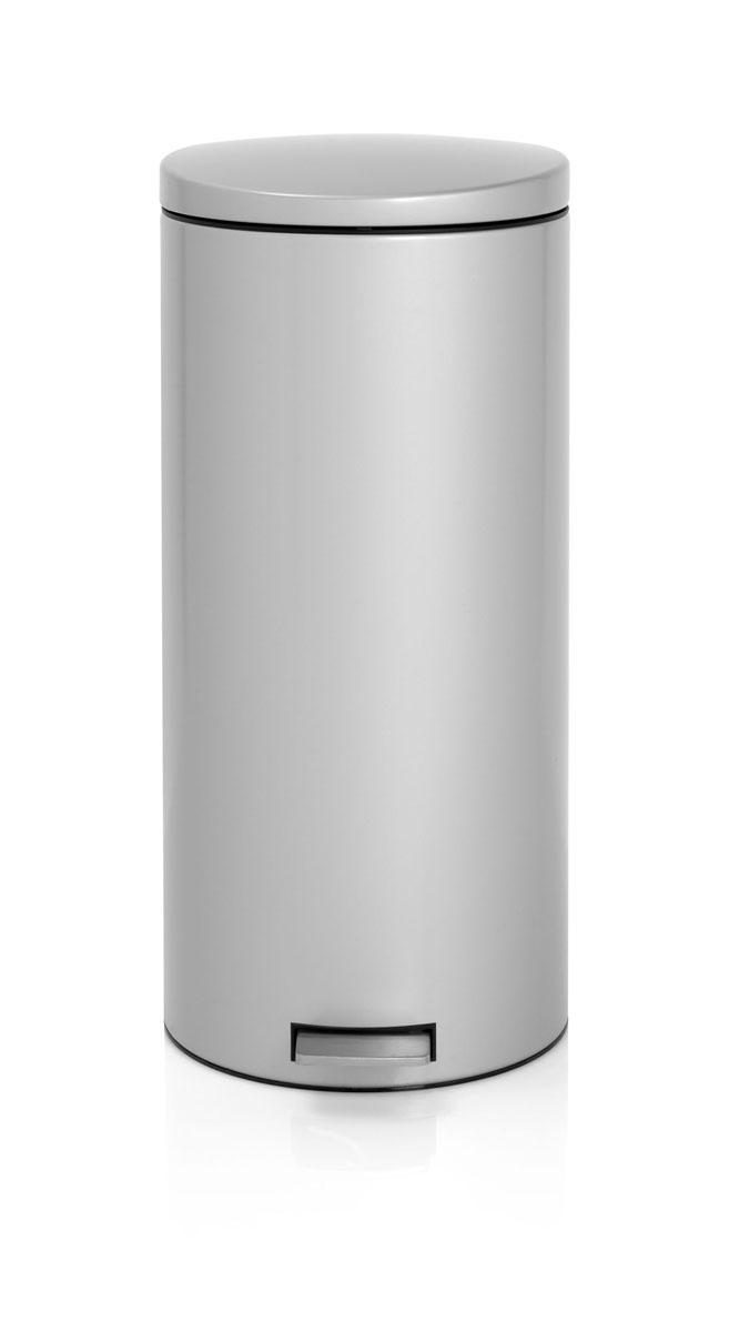 Бак мусорный Brabantia Бесшумный, с педалью, цвет: металлик, 30 л478789Вместительный бак для отходов с мягким педальным управлением и бесшумной крышкой, закрывающейся мягко и бесшумно благодаря специальному механизму MotionControl - идеальное решение для кухни или гостиной. Бесшумное закрывание и мягкое действие педали - механизм MotionControl;Надежный педальный механизм, высококачественные коррозионно-стойкие материалы;Умная фиксация крышки - при открывании крышка не касается стены благодаря уникальной конструкции крепления; Удобная очистка – съемное внутреннее ведро из пластика; Бак удобно перемещать - прочная ручка для переноски; Отличная устойчивость даже на мокром и скользком полу – противоскользящее основание; Предохранение пола от повреждений - пластиковый защитный обод; Всегда опрятный вид – идеально подходящие по размеру мешки для мусора с завязками (размер G); 10-летняя гарантия Brabantia. Характеристики: Материал: сталь.Размер: 330*370*755мм.Артикул: 478789.