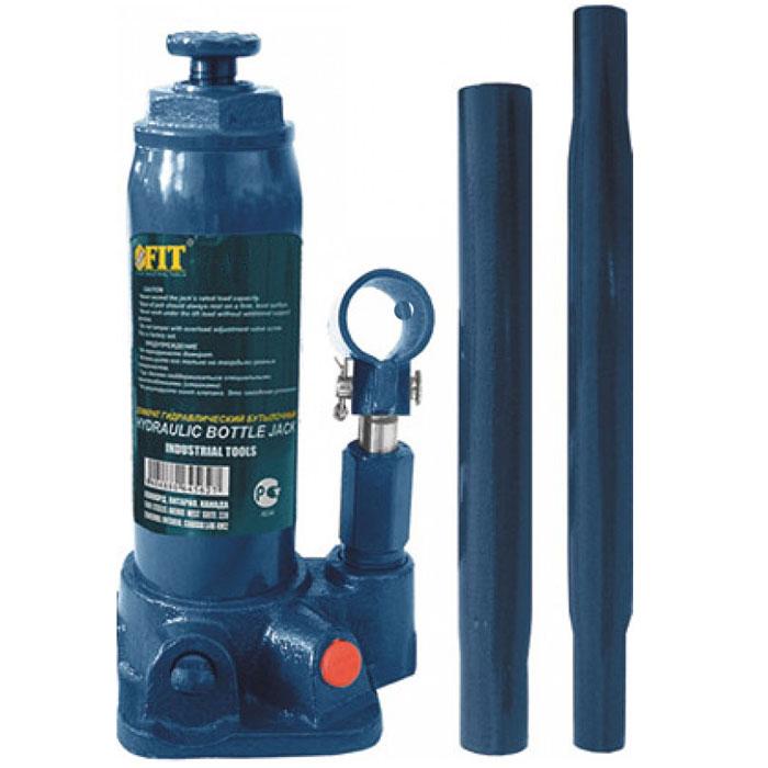 Домкрат бутылочный FIT 64563, 3 т64563Бутылочный гидравлический домкрат FIT грузоподъемностью до 3 тонн отличается простотой и удобством эксплуатации, что расширяет область его использования. Гидравлический домкрат «бутылочного» типа широко применяется при строительстве, ремонте, при различных монтажно-демонтажных работах.Работа с ним не требует практически никаких физических сил. Именно такой домкрат рекомендуется приобретать женщинам-автомобилистам. Наличие кейса позволяет удобно хранить его в багажнике автомобиля.Особенности:Большая грузоподъемность в сочетании с небольшим рабочим усилием;Высокий КПД;Жесткость конструкции;Плавность хода;Точность и плавность торможения. Характеристики:Грузоподъемность: до 3 тонн. Максимальная высота подъема: 195 мм. Ход штока: 125 мм. Ход удлинительного винта: 60 мм. Материал: металл. Размеры: 11 см х 9 см х 18 см. Вес: 3,5 кг. Размер упаковки: 18 см х 11 см х 27 см.