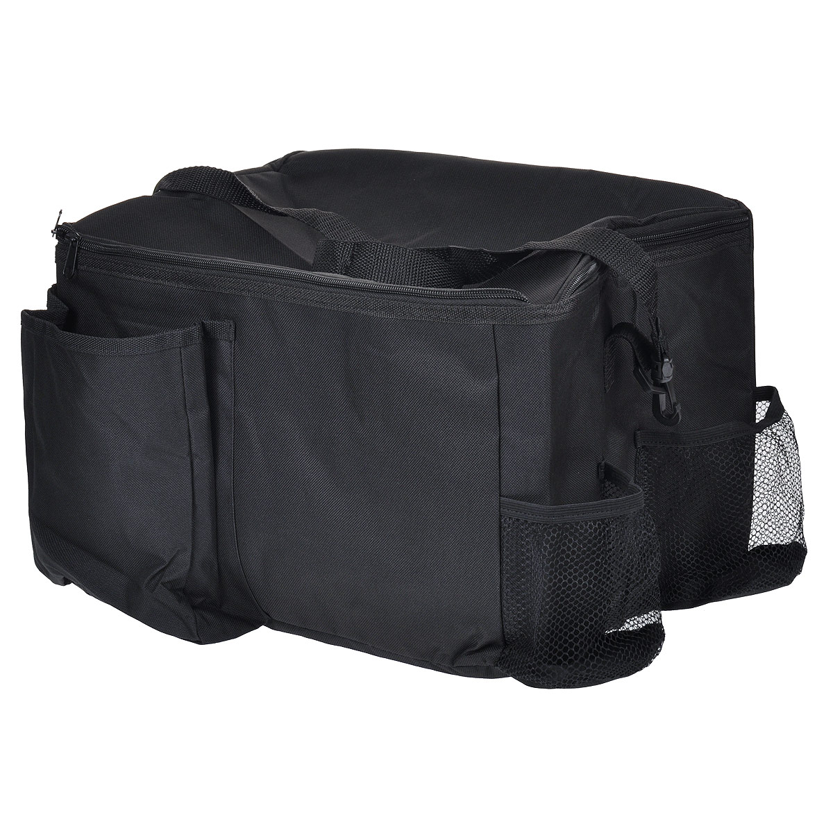 Сумка-органайзер в багажник TR-7122, цвет: черный, 38 см х 28 см х 24,8 смTR-7122Сумка-органайзер TR-7122 выполнена из высококачественного полиэстера и предназначена для хранения в машине продуктов, напитков и различных мелочей. Сумка содержит одно вместительное отделение с термоподкладкой для пищевых продуктов, закрывающееся на застежку-молнию. По бокам сумки расположено 2 вместительных накладных кармана и 2 небольших сетчатых кармана. Сумка оснащена удобной съемной ручкой. Удобная сумка-органайзер не займет много места у вас в машине и вместит в себя все необходимые в дороге мелочи. Характеристики: Материал: 600D полиэстер. Размер сумки-органайзера (Ш х Д х В): 38 см х 28 см х 24,8 см.