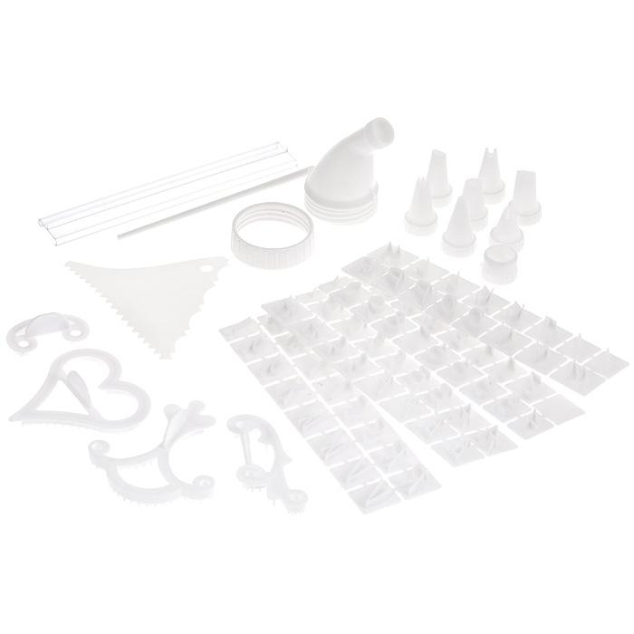 Набор для декорации торта Bradex КондитерTD 0024Набор для декорации торта Bradex Кондитер содержит в себе множество приспособлений для создания настоящего кулинарного шедевра! В набор входит: - аппликатор кондитерский; - кольцо-фиксатор для шприца и полиэтиленового мешочка; - 15 мешочков для крема и глазури; - 7 насадок для кондитерского шприца (насадка для создания лепестков, насадка для создания полос, насадка для создания листочков, насадка для создания цветов, насадка-звездочка, круглая насадка, сетчатая насадка); - держатель для букв и цифр; - 4 формы-трафарета для создания контура узоров (трафарет в виде буквы С, трафарет в виде сердечка, трафарет в виде лилии, трафарет в виде лозы); - шпатель кондитерский; - палочка; - 67 трафаретов для цифр и букв (английский алфавит); - инструкция на русском языке. Предметы набора хранятся в удобном пластиковом кейсе.С набором Bradex Кондитер вы всегда сможете порадовать своих близких оригинальной выпечкой. Характеристики:Материал: пластик. Размер мешочка для крема и глазури: 20 см х 8,5 см. Размер шпателя кондитерского: 9 см х 11 см. Длина палочки: 15 см. Диаметр кольца-фиксатора: 5 см. Размер аппликатора кондитерского: 4,5 см х 4,5 см х 8 см. Размер трафарета в виде буквы С: 5 см х 2,5 см. Размер трафарета в виде сердечка: 8 см х 8 см. Размер трафарета в виде лилии: 8 см х 9 см. Размер трафарета в виде лозы: 8,5 см х 3,5 см. Средний размер трафарета для цифр и букв: 2 см х 1 см. Размер кейса: 20,5 см х 13,5 см х 8,5 см.