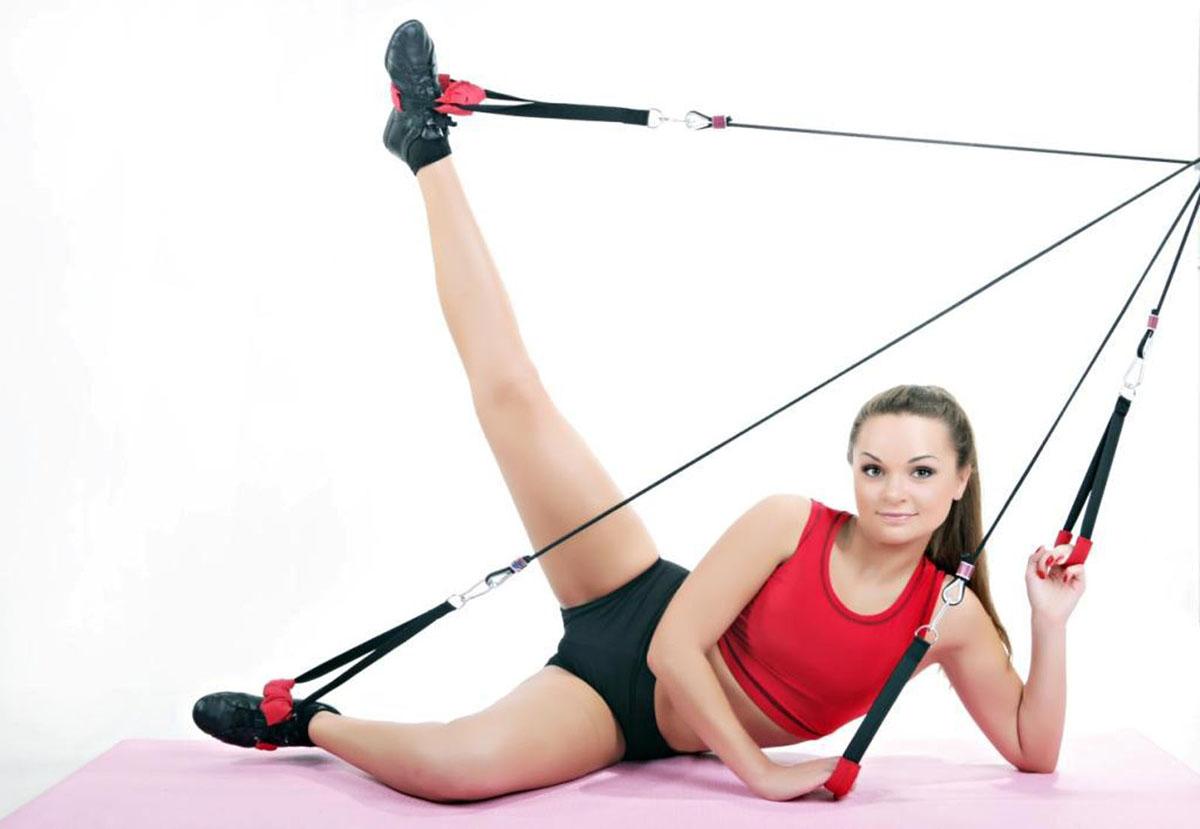 Кардио-тренажер Waist RexWaist RexТренажер Waist Rex удачно совмещает в себе достоинства кардио и силовых тренировок:Сжигание жира и снижение веса;Повышение кардиовыносливости;Проработка важнейших групп мышц.Результат:Стройные ноги;Подтянутые ягодицы;Плоский живот;Высокая упругая грудь;Красивая осанка.Комплектация: тяги - 2шт., эргономичные рукоятки для рук - 2шт., эргономичные рукоятки для ног - 2шт., ремень для закрепления гири – 1 шт., гибкая тяга (шнур) для регулировки длинны тренажера – 1шт., крепежный крюк - 1шт., карабины – 4шт., сумка для переноски эспандера – 1шт., DVD-диск с комплексом упражнений - 1шт., инструкция с программой тренировок - 1шт.Тренажер крепится к стене.