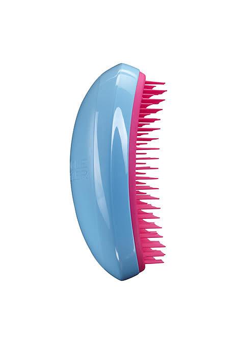 Tangle Teezer Расческа для волос Salon Elite. Blue BlushSE-BP-010313Профессиональная распутывающая расческа Tangle Teezer Salon Elite идеально подходит для всех типов волос. Оригинальная форма зубчиков обеспечивает двойное действие и позволяет быстро и безболезненно расчесать влажные и сухие волосы. Благодаря эргономичному дизайну, расческу удобно держать в руках, не опасаясь выскальзывания.Товар сертифицирован.
