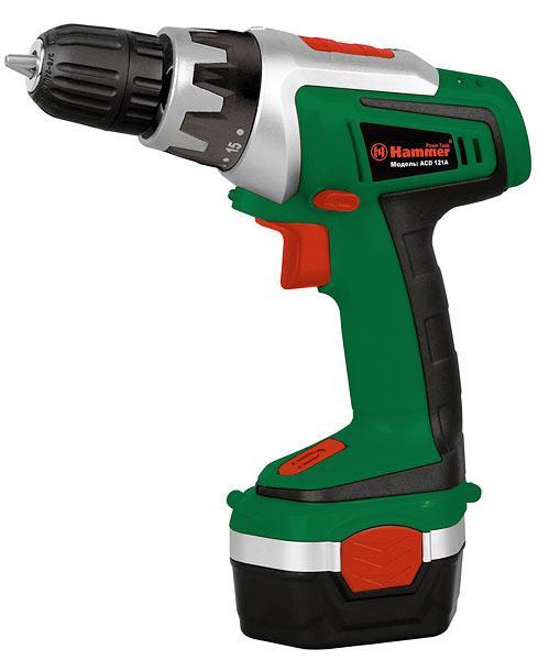 Дрель-шуруповерт Hammer ACD121AAcd121aАккумуляторная дрель-шуруповерт Hammer ACD121A - многофункциональный мобильный ручной инструмент, предназначенный для монтажных работ. Используется для выполнения функций сверления отверстий в материалах (дерево, пластик, металл) и крепежа (демонтажа) элементов соединения (болтов, гаек, винтов-саморезов, шурупов). Автономное питание позволяет использовать дрель-шуруповерт не только в помещениях, но и на пространствах, не оснащенных источниками электропитания.Благодаря эргономичной рукоятке с резиновой накладкой и малому весу шуруповерт станет незаменимым помощником в быту.Тип аккумулятора: Ni-Cd. Напряжение аккумулятора: 12 В. Емкость аккумулятора: 1200 мАч.