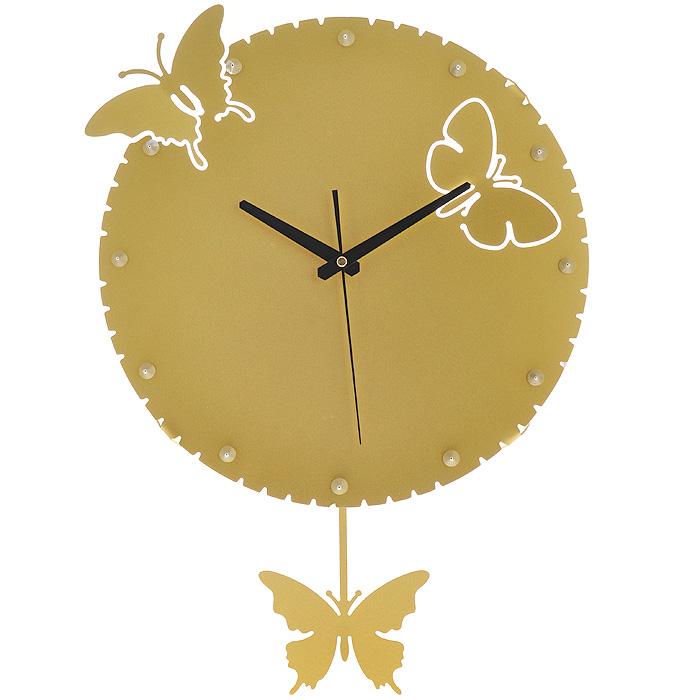 Часы настенные Бабочки, с маятником, цвет: золотистый. 9518195181Изящные настенные часы Бабочки эффектно украсят интерьер помещения. Дизайн, полный хрупкого изящества, в этих часах удачно сочетается с высокой прочностью материалов. Корпус, оформленный изящной перфорацией, выполнен из коррозионностойкой стали с порошковым напылением золотистого цвета. Несмотря на устойчивый к механическим воздействиям корпус, часы выглядят ажурными, словно вырезанными из бумаги. Часы имеют три стрелки: часовую, минутную и секундную. Постоянное движение маятника с фигуркой бабочки придает иллюзию постоянного трепета.Механизм часов - кварцевый. С задней стороны корпуса имеется отверстие для подвешивания на стену.Красивые и качественные настенные часы украсят современный интерьер и порадуют надежной работой. Характеристики:Материал: коррозионностойкая сталь, пластик. Диметр корпуса: 35 см. Толщина корпуса: 2 мм. Цвет: золотистый. Размер фигурки бабочки: 12,5 см х 9,5 см. Необходимо докупить 2 батарейки типа АА (в комплект не входят).