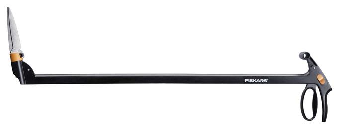 Ножницы для травы с серво-системой Fiskars, с поворотом режущей головки на 360°, длинные113690Удлиненные ножницы для травы Fiskаrs с Серво-системой предотвращают защемление лезвий и гарантируют таким образом непрерывную, эффективную работу. Эргономичная, легкая конструкция обеспечивает комфорт и удобство использования, а подвижная режущая головка, поворачивающаяся на 360°, позволяет легко доставать самые труднодоступные углы. Лезвия изготовлены из закаленной нержавеющей стали, рукоятки – из армированного стекловолокном полиамидаFiberComp. Ножницы снабжены механизмом блокировки, который регулируется большим пальцем.Особенности: Серво-система предотвращает защемление травы лезвиямиНожницы позволяет работать, не наклоняясь, с меньшей нагрузкой на мышцы Механизм блокировки в целях безопасности управляется большим пальцемРукоятки из материала FiberComp очень легкие и прочныеРегулируемый угол режущей головки 360°.