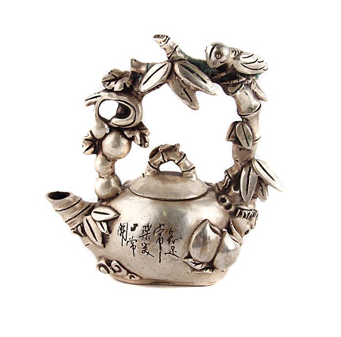 Чайник Дар природы в традиционном тибетском стиле. Металл, прочеканка. Китай, вторая половина XX века купить больное платье в стиле 18 19 века наташа ростова