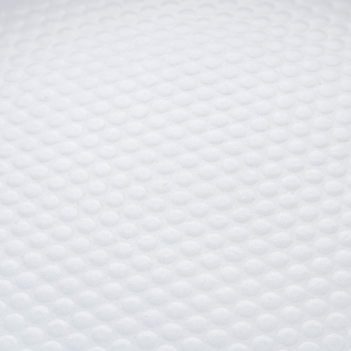 """Сковорода """"Bohmann"""" изготовлена из литого алюминия с антипригарнымкерамическимпокрытием. Антипригарное покрытие содержит 5 слоев: - бесцветное огнеупорное покрытие, - жаропрочный базовый слой, - алюминий, - керамический базовый слой, - керамический защитный слой. Внешнее покрытие - жаростойкий лак красного цвета, который сохраняетцвет долгое время иобладает жироотталкивающими свойствами. Благодаря керамическомупокрытию пища непригорает и не прилипает к поверхности сковороды, что позволяетготовить с минимальнымколичеством масла. Кроме того, такое покрытие абсолютно безопасно дляздоровья человека,так как не содержит вредной примеси PTFE. Рифленая внутренняяповерхность сковороды ввиде сот обеспечивает быстрое и легкое приготовление. Достоинства керамического покрытия: - устойчивость к высоким температурам и резким перепадам температур,- устойчивость к царапающим кухонным принадлежностям и абразивныммоющим средствам,- устойчивость к коррозии, - водоотталкивающий эффект, - покрытие способствует испарению воды во время готовки, - длительный срок службы, - безопасность для окружающей среды и человека. Сковорода быстро разогревается, распределяя тепло по всей поверхности,что позволяетготовить в энергосберегающем режиме, значительно сокращая время,проведенное у плиты.Сковорода оснащена съемной ручкой, выполненной из пластика спрорезиненным покрытием.Такая ручка не нагревается в процессе готовки и обеспечивает надежныйхват. Крышкаизготовлена из жаропрочного стекла, оснащена ручкой, отверстием длявыпуска пара иметаллическим ободом. Благодаря такой крышке можно следить заприготовлением пищи безпотери тепла. Можно готовить на газовых, электрических, стеклокерамических,галогенных, индукционныхплитах. Подходит для чистки в посудомоечной машине."""