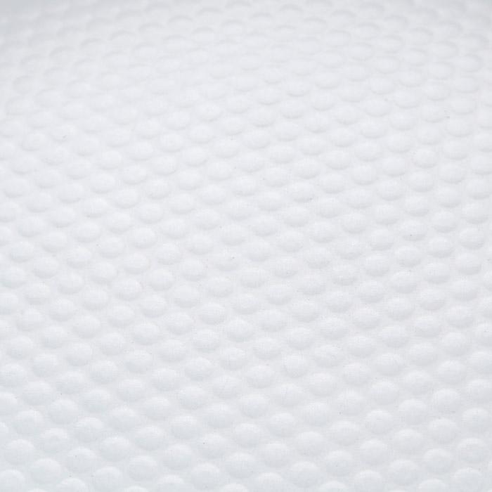 """Сковорода """"Bohmann"""" изготовлена из литого алюминия с антипригарным керамическим покрытием.  Антипригарное покрытие содержит 5 слоев:  - бесцветное огнеупорное покрытие,  - жаропрочный базовый слой,  - алюминий,  - керамический базовый слой,  - керамический защитный слой.  Внешнее покрытие - жаростойкий лак, который сохраняет цвет долгое время и обладает жироотталкивающими свойствами. Благодаря керамическому покрытию, пища не пригорает и не прилипает к поверхности сковороды, что позволяет готовить с минимальным количеством масла. Кроме того, такое покрытие абсолютно безопасно для здоровья человека, так как не содержит вредной примеси PTFE. Рифленая внутренняя поверхность сковороды в виде сот обеспечивает быстрое и легкое приготовление.  Достоинства керамического покрытия:  - устойчивость к высоким температурам и резким перепадам температур,  - устойчивость к царапающим кухонным принадлежностям и абразивным моющим средствам, - устойчивость к коррозии,  - водоотталкивающий эффект,  - покрытие способствует испарению воды во время готовки,  - длительный срок службы,  - безопасность для окружающей среды и человека.  Сковорода быстро разогревается, распределяя тепло по всей поверхности, что позволяет готовить в энергосберегающем режиме, значительно сокращая время, проведенное у плиты.  Сковорода оснащена съемной ручкой, выполненной из пластика с прорезиненным покрытием. Такая ручка не нагревается в процессе готовки и обеспечивает надежный хват. Крышка изготовлена из жаропрочного стекла, оснащена ручкой, отверстием для выпуска пара и металлическим ободом. Благодаря такой крышке, можно следить за приготовлением пищи без потери тепла.  Можно готовить на газовых, электрических, стеклокерамических, галогенных, индукционных плитах. Подходит для чистки в посудомоечной машине. Высота стенки: 4,5 см. Длина ручки: 18 см. Диаметр индукционного диска: 14 см."""