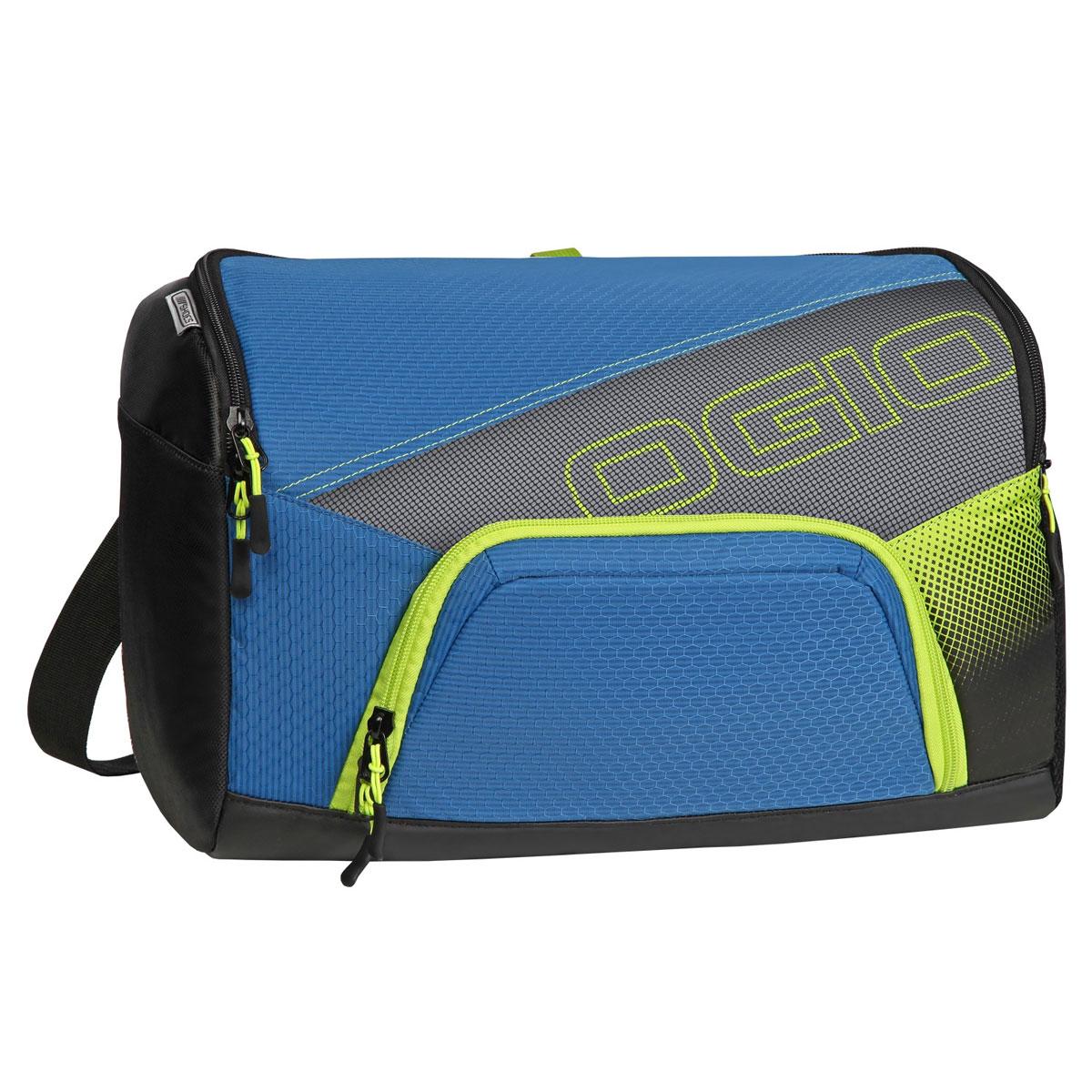 Сумка OGIO Quickdraw, цвет: синий, зеленый. 112041.041112041.041Спортивная сумка OGIO Quickdraw подойдет людям, которые не привыкли таскать с собой габаритные сумки.Плечевая спортивная сумка OGIO - это Ваш помощник в спортивной жизни. Компактная сумка легко поместит в себе пару обуви, футболку с шортами, шейкер, мелкие вещи и электронные гаджеты.Особенности:Основное отделение отлично вмещает обувь для бега и сменную одежду.Внутренний карман для бутылки с водой.Дополнительное специальное отделение под крышкой для хранения продуктов питания.Внутренний карман для ключей и ценных вещей.Наружный карман с подбивкой для хранения ценных вещей.Легкая, износоустойчивая и прочная на разрыв ткань.Скрытая сетка для вентиляции основного отделения.Боковой карман с двусторонней застежкой на молнии носостойкое и устойчивое к истиранию брезентовое основание.Вентилируемая задняя стенка с системой проветривания.Простой регулируемый наплечный ремень Надежно закрепленный ремень для переноски.Яркая подкладка.Объем: 15 л.Материал: кареточная ткань 420D, кареточная ткань 210D.