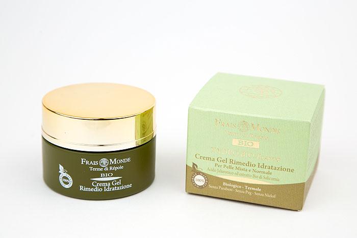 Frais Monde Крем-гель для лица Hydro Bio, увлажняющий, для нормальной и комбинированной кожи, 50 млBFM043Крем-гель для лица Frais Monde Hydro Bio интенсивно увлажняет и освежает кожу. Легкая текстура крема делает кожу мягкой и шелковистой, не оставляя жирного блеска. Уникальный комплекс активных компонентов работает на глубоких слоях кожи, сохраняя молодость и упругость кожи. Активные ингредиенты: -Гиалуроновая кислота удерживает воду в клетках. -Экстракт органического солероса: снижает потери воды, стимулируя воспроизводство естественных увлажняющих агентов. Способ применения: нанести небольшое количество крема на очищенное лицо, мягко помассировать.Товар сертифицирован.