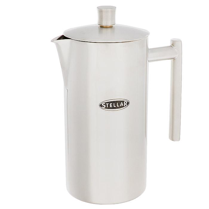 Кофейник Silampos с френч-прессом, 0,8 л41281318SM61Кофейник Silampos изготовлен из высококачественной нержавеющей стали с матовой полировкой. Фильтр-поршень из нержавеющей стали обеспечивает равномерную циркуляцию воды и насыщенность напитка. С его помощью также можно регулировать степень крепости кофе. Кофейник оснащен удобной ручкой и носиком для слива. Кофейник Silampos позволит быстро приготовить свежий и ароматный кофе. Можно мыть в посудомоечной машине.Посуда Silampos производится с использованием самых последних достижений в области производства изделий из нержавеющей стали. Алюминиевый диск инкапсулируется между дном кастрюли и защитной оболочкой из нержавеющей стали под давлением 1500 тонн. Этот высокотехнологичный процесс устраняет необходимость обычной сварки, ахиллесовой пяты многих производителей товаров из нержавеющей стали. Вместо того, чтобы сваривать две металлические детали вместе, этот процесс соединяет алюминий и нержавеющей стали в единое целое. Метод полной инкапсуляции позволяет с абсолютной надежностью покрыть алюминиевый диск нержавеющей сталью. Это делает невозможным контакт алюминиевого диска с открытым огнем и активной средой некоторых моющий средств. Посуда Silampos является лауреатом многочисленных Португальских и Европейских конкурсов, и по праву сохраняет лидирующие позиции на рынке кухонной посуды в Европе и мире. Посуда изготовлена из нержавеющей стали с добавлением 18% хрома и 10% никеля. Посуду можно мыть в посудомоечной машине, использовать на всех видах плит (газовые, электрических, керамических и индукционных). Оснащена специальным алюминиевым диском - Impact Disk, разработанным с применением передовой технологии соединения диска с дном кастрюли и защитной оболочкой из нержавеющей стали под высоким давлением. Выдерживают температуру до 600°С. Использование алюминиевого жарораспределяющего диска позволяет значительно сократить время приготовления пищи. Производство Португалия.