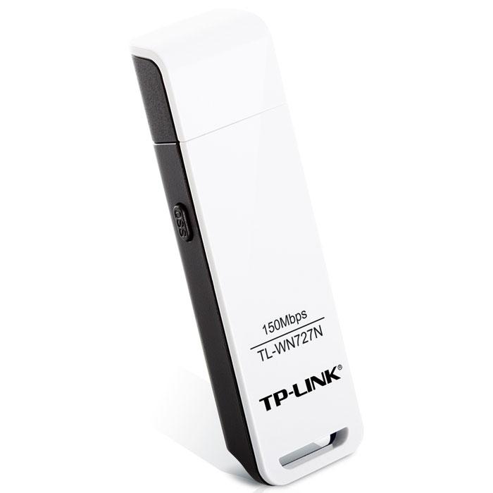 TP-Link TL-WN727N беспроводной USB-адаптерTL-WN727NБеспроводной сетевой USB-адаптер серии TP-Link TL-WN727N позволит вам подсоединить настольный компьютер или ноутбук к беспроводной сети и воспользоваться доступом в Интернет по высокоскоростному подключению. Сетевой адаптер поддерживает стандарт IEEE 802.11n со скоростью передачи данных по беспроводному подключению до 150 Мбит/с, идеальной для онлайн-игр и потокового видео. Благодаря поддержке технологии IEEE 802.11n, сетевой адаптер TL-WN727N характеризуется более мощными возможностями сокращения потерь данных при передаче на большие расстояния или при преодолении препятствий в небольшом офисе или большой квартире, даже в железобетонном здании. К тому же, вы сможете с легкостью подключиться к беспроводной сети на большом расстоянии, там, где устройства стандарта IEEE 802.11g с этой задачей могут и не справиться. Технология CCA (оценка занятости канала) позволяет автоматически избежать конфликта каналов путем выбора свободного канала, а также полностью раскрывает возможности привязки к каналу, что значительным образом улучшает беспроводную передачу сигнала.Совместимый с режимом шифрования WPS (Wi-Fi Protected Setup), сетевой адаптер TL-WN727N поддерживает Мастер быстрой настройки безопасности (QSS). При нажатии кнопки QSS устанавливается безопасное соединение, защищенное с помощью алгоритма шифрования WPA2, который считается намного более надежным по сравнению с шифрованием WEP. Применение мастера позволяет не только быстрее выполнить настройку безопасности по сравнению с обычными процедурами настройки, но и также приносит дополнительное удобство в том, что вам не придется запоминать пароль.Что касается безопасности WI-FI соединения, шифрование WEP больше не может считаться самой совершенной и надежной защитой от вторжений извне. На сетевом адаптере TL-WN727N используются разработанные промышленной группой WI-FI Alliance алгоритмы шифрования WPA/WPA2, надежно защищающие беспроводную сеть от потенциальных угроз извне