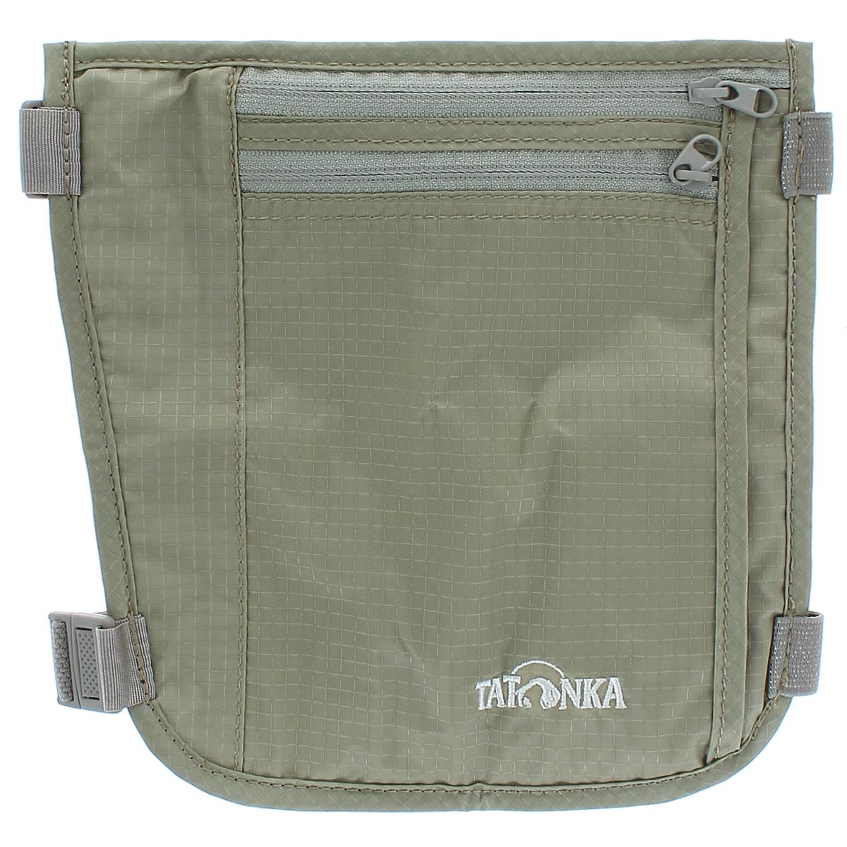 Кошелек на голень Tatonka Skin Secret Pocket, потайной, цвет: бежевый2854.225Потайной кошелек Tatonka Skin Secret Pocket состоит из двух отделений на застежках-молниях. Крепится на голень с помощью двух эластичных ремешков на карабинах, регулируемых по длине. Кошелек можно закрепить как под одеждой, так и поверх нее - в зависимости от удобства. С обратной стороны для большего комфорта изделие дополнено мягкой тканью. Материал: 210 T Nylon Ripstop.