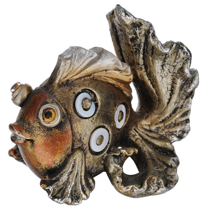 Фигурка декоративная Molento Сказочная рыбка549-120Декоративная фигурка Molento Сказочная рыбка, изготовленная из полистоуна, выполнена в виде забавной рыбки. Такая фигурка станет отличным дополнением к интерьеру.Вы можете поставить фигурку в любом месте, где она будет удачно смотреться, и радовать глаз. Кроме того, фигурка Сказочная рыбка станет чудесным сувениром для ваших друзей и близких.Рыба выступает как символ плодовитости, в том числе и в духовном плане, морской стихии и изобилия. Согласно традиционным представлениям, жизнь вышла из воды, и рыбы в древности почитались в качестве символа зарождения жизни.Рыба также символизирует удачу. Не зря в русских сказках сокровенные желания исполняют именно золотые рыбки.Считается, что любая рыба служит добрым предзнаменованием.