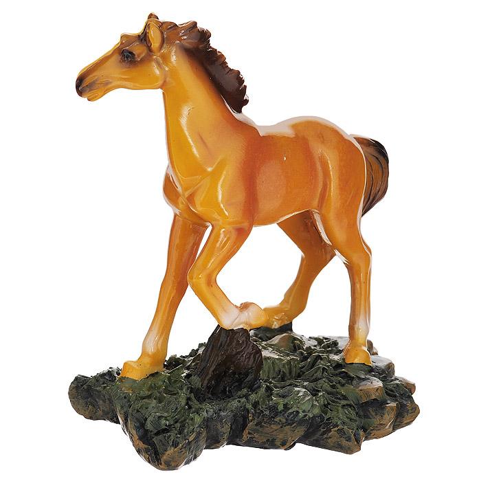 Фигурка декоративная Molento Рыжий конь, высота 14 см512-144Декоративная фигурка Molento Рыжий конь выполнена из полистоуна в виде рыжего коня.Такая фигурка станет отличным дополнением к интерьеру. Вы можете поставить ее в любом месте, где она будет удачно смотреться, и радовать глаз. Кроме того, фигурка Molento Рыжий конь станет замечательным подарком, ведь на протяжении долгих тысячелетий лошадь остается спутником и помощником человеком. Лошадь - это символ быстроты мышления, яркой фантазии, работоспособности и верности. Подарки в виде лошади олицетворяют собой духовное начало и покровительствуют художникам, поэтам и музыкантам.