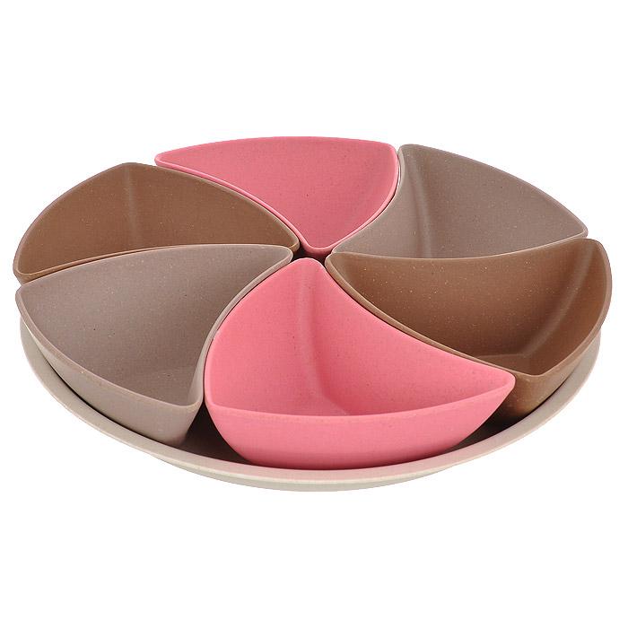Сет сервировочный Frybest Bamboo, 7 предметов. BM-03-2BM-03-2Сервировочный сет Frybest Bamboo состоит из шести мисок (розового, коричневого и серого цвета) и круглого блюда бежевого цвета. Формы мисочек напоминают лепестки цветка. Удобное и красивое решение для сервировки праздничного стола. Изделия выполнены из бамбукового волокна - экологически чистого материала, который не содержит примесей и токсинов, что важно для здоровья человека. Кроме того, это биоразлагаемый материал, который не вредит окружающей среде. Блюда прекрасно подойдут для сервировки салатов, закусок и другого. Натуральная посуда из бамбукового волокна Frybest - это строгая элегантность и изящество. Можно использовать при температуре от -20°С до +70°С. Максимальное использование при температуре +70°С не более двух часов. Не использовать в микроволновой печи.
