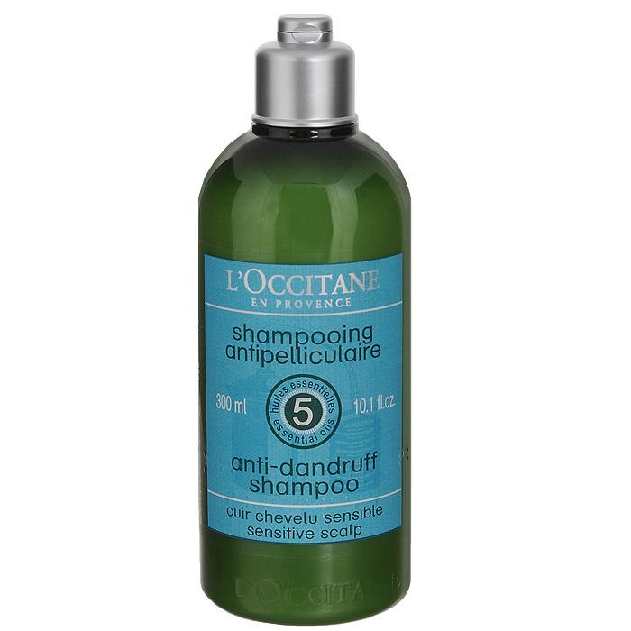 Шампунь LOccitane, против перхоти, 300 мл304365Смягчающий и балансирующий шампунь Loccitane для чувствительной кожи головы содержит балансирующий комплекс из пяти эфирных масел (можжевельник, чайное дерево, тимьян, лимон, перец) и высокоэффективные вещества для борьбы с перхотью. Смягчает кожу головы, дарит волосам здоровье и блеск. Натуральная пенная основа, не содержит парабенов, силиконов, синтетических красителей. Характеристики:Объем: 300 мл.Loccitane (Л окситан) - натуральная косметика с юга Франции, основатель которой Оливье Боссан. Название Loccitane происходит от названия старинной провинции - Окситании. Это также подчеркивает идею кампании - сочетании традиций и компонентов из Средиземноморья в средствах по уходу за кожей и для дома. LOccitane использует для производства косметических средств натуральные продукты: лаванду, оливки, тростниковый сахар, мед, миндаль, экстракты винограда и белого чая, эфирные масла розы, апельсина, морская соль также идет в дело. Специалисты компании с особой тщательностью отбирают сырье. Учитывается множество факторов, от места и условий выращивания сырья до времени и технологии сборки. Товар сертифицирован.