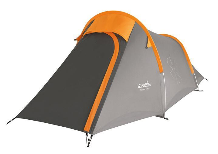Палатка Norfin Roxen 2 Alu Orange-GrayNS-10306Компактная трекинговая палатка с алюминиевыми дугами. Два человека с багажом смогут вполне комфортно проживать в этой палатке и разместить в ней всю свою поклажу. Особенности:-двухслойная палатка с одним входом;-облегченная и прочная алюминиевая конструкция каркаса;-вход во внутреннюю палатку продублирован антимоскитной сеткой;-два вентиляционных окна с ветровыми клапанами;-все швы палатки герметизированы при помощи термоусадочной водонепроницаемой ленты;-веревки оттяжек со светоотражающей нитью;-специальный чехол-стяжка для фиксации каждой сложенной веревки оттяжки;-петли для фиксации скатанного входа;-дополнительный карман, чтобы убирать открытый полог входа.Наружный тент: RipStop Polyester 210T 70D PU.Внутренняя палатка: 190T Polyester дышащий.Дно: Polyester 210D Oxford PU.Каркас: алюминиевые дуги диаметром 8,5 мм.