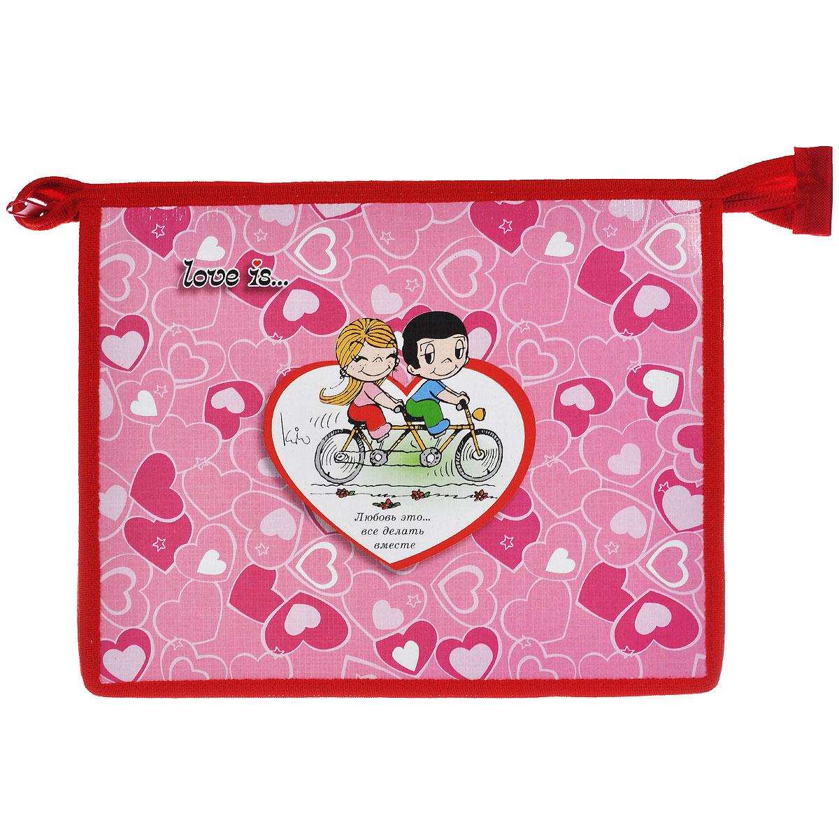 Action! Папка для тетрадей Love is цвет розовый красный C37674/LI-FZA5-1C37674/LI-FZA5-1 розовыйПапка Action! Love is предназначена для хранения тетрадей, рисунков и прочих бумаг с максимальным форматом А5. Папка выполнена из картона и ПВХ и содержит одно отделение. Закрывается она на застежку-молнию. Лицевая сторона папки оформлена изображениями двух влюбленных и надписью Любовь это... все делать вместе.С папкой Action! Love is тетради вашего ребенка всегда будут выглядеть опрятно.