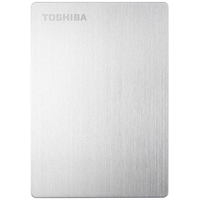 Toshiba Stor.E Slim 1TB, Silver внешний накопитель (HDTD210ES3EA)HDTD210ES3EAБлагодаря системе блокировки паролем, имеющейся на внешнем жёстком диске Toshiba Stor.E Slim, вы можете не бояться за сохранность ваших данных. Его элегантный, тонкий и лёгкий дизайн делает его отличным спутником для вашего Mac. Благодаря совместимости с Apple Time Machine вы можете легко создавать резервные копии ваших данных. А благодаря порту USB 3.0 Вы моментально можете перекачивать файлы. Также вы будете иметь возможность удалённого доступа к вашим данным.Файловая система: NTFSВозможность переформатирования в HFS+ для MacПоддерживаемые ОС: Windows XP / Vista / 7 / 8 / 8.1; Apple Mac OS X 10.6.6 / 10.6.7 / 10.6.8 / 10.7 / 10.8
