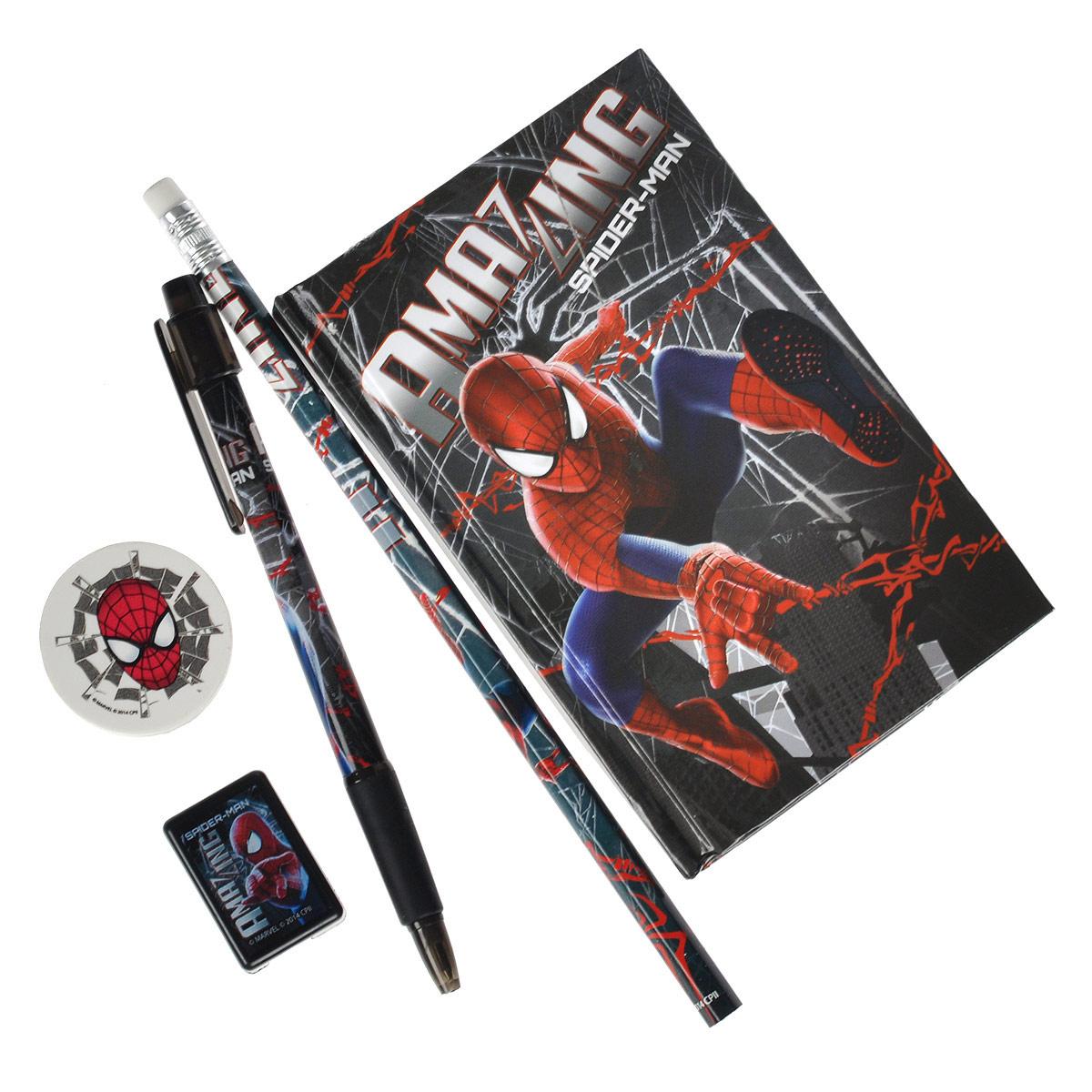 Канцелярский набор Spider-Man, 5 предметовSMBB-US1-360Канцелярский набор Spider-Man станет незаменимым атрибутом в учебе любого школьника.Он включает в себя чернографитный карандаш с ластиком на конце, ластик, точилку, автоматическую ручку и записную книжку.Ручка снабжена прорезиненной вставкой в области захвата, подача стержня производится путем нажатия на кнопку в верхней части ручки. Обложка записной книжки выполнена из плотного картона, внутренний блок содержит листы с печатью.Все предметы набора оформлены изображениями супергероя Человека-Паука.