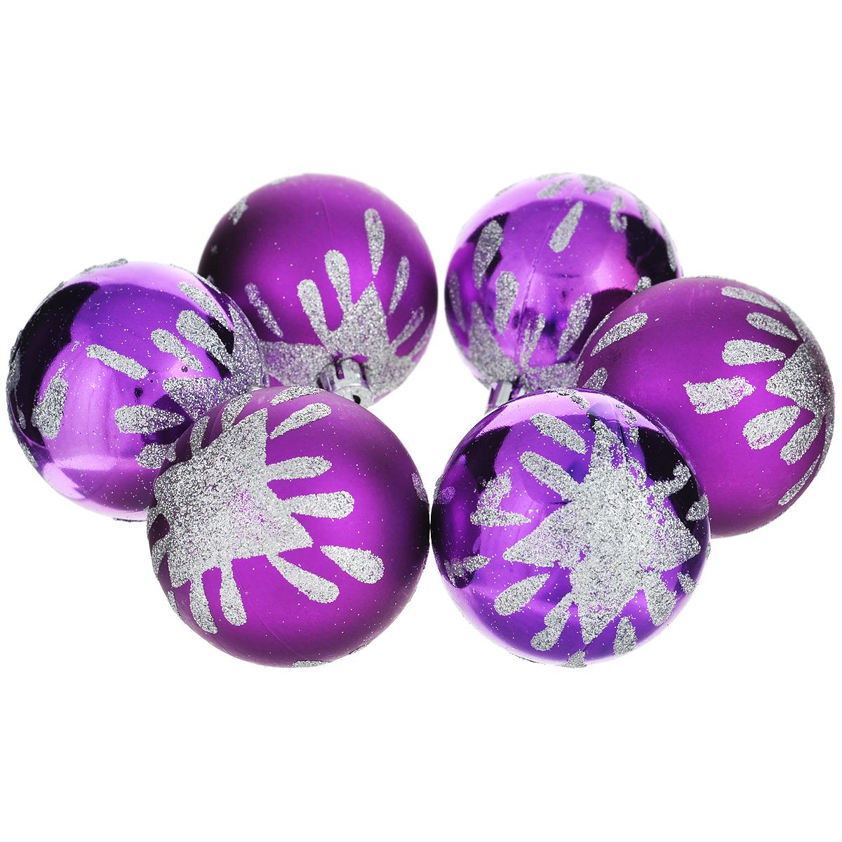 Набор новогодних подвесных украшений Шар, цвет: фиолетовый, диаметр 6 см, 6 шт. 3552435524Набор новогодних подвесных украшений Шар прекрасно подойдет для праздничного декора новогодней ели. Состоит из шести пластиковых шаров.Елочная игрушка - символ Нового года. Она несет в себе волшебство и красоту праздника. Создайте в своем доме атмосферу веселья и радости, украшая новогоднюю елку нарядными игрушками, которые будут из года в год накапливать теплоту воспоминаний. Коллекция декоративных украшений принесет в ваш дом ни с чем несравнимое ощущение волшебства! Откройте для себя удивительный мир сказок и грез. Почувствуйте волшебные минуты ожидания праздника, создайте новогоднее настроение вашим дорогим и близким.