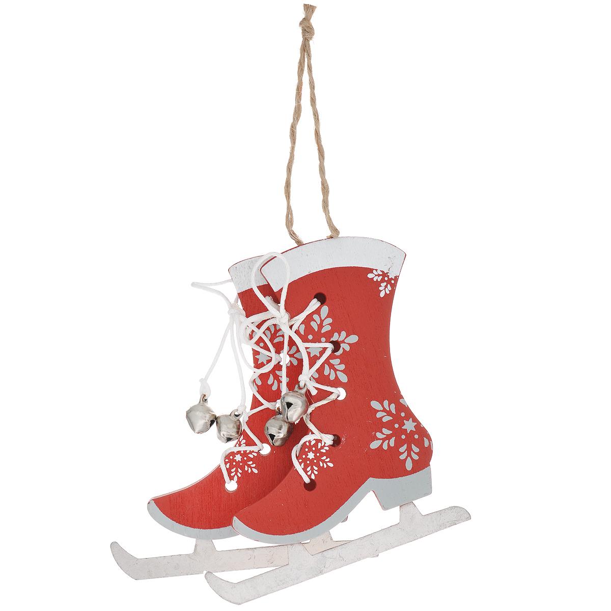 Новогоднее подвесное украшение Фигурные коньки, цвет: красный. 3530635306Оригинальное новогоднее украшение из пластика прекрасно подойдет для праздничного декора дома и новогодней ели. Изделие крепится на елку с помощью металлического зажима.