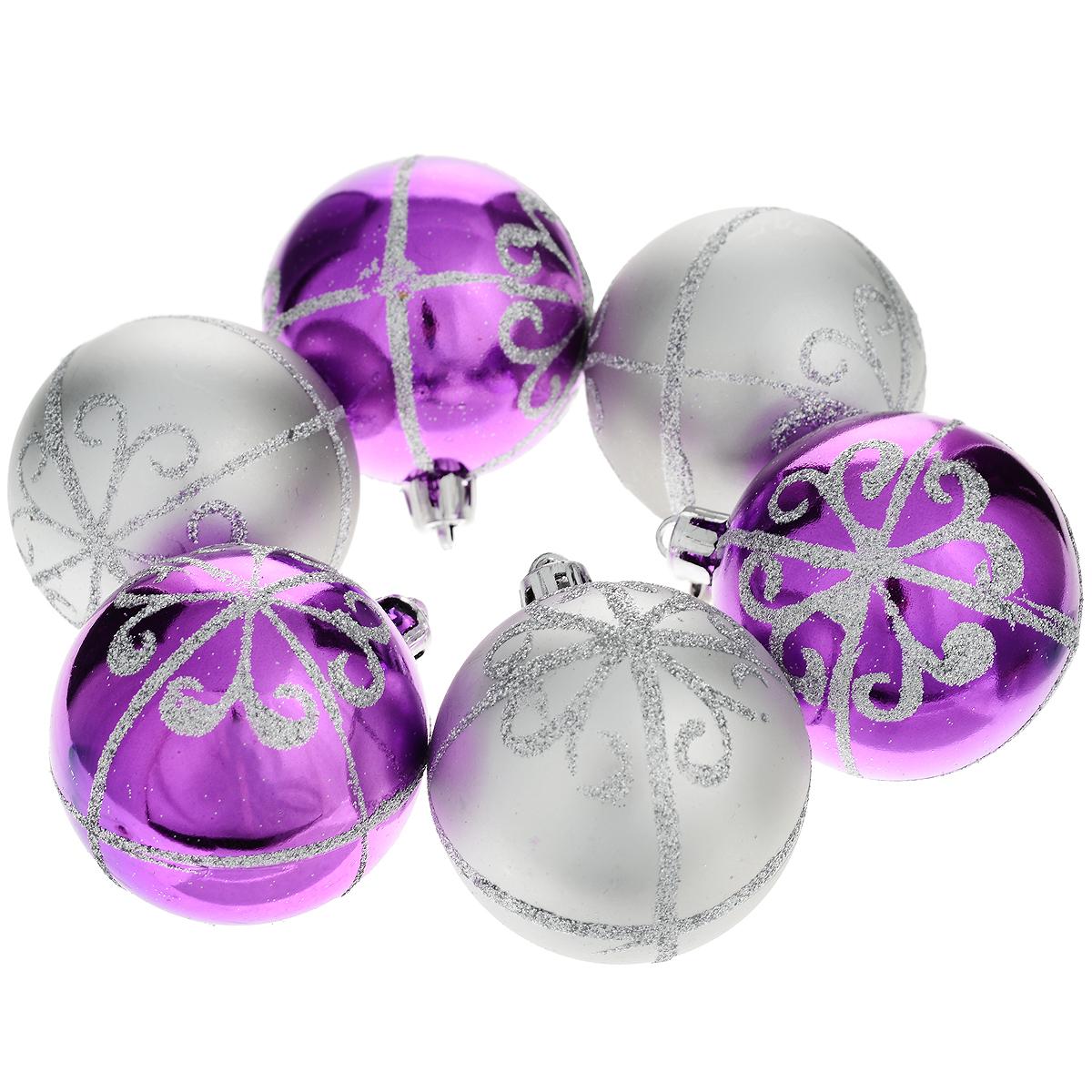 Набор новогодних подвесных украшений Феникс-Презент Шары, цвет: фиолетовый, серебристый, диаметр 6 см, 6 шт35488Набор новогодних подвесных украшений Феникс-презент Шары прекрасно подойдет для праздничного декора вашей ели. Набор состоит из 6 пластиковых украшений в виде матовых и глянцевых шаров, декорированных блестками. Для удобного размещения на елке для каждого украшения предусмотрена текстильная петелька.Елочная игрушка - символ Нового года. Она несет в себе волшебство и красоту праздника. Создайте в своем доме атмосферу веселья и радости, украшая новогоднюю елку нарядными игрушками, которые будут из года в год накапливать теплоту воспоминаний. Откройте для себя удивительный мир сказок и грез. Почувствуйте волшебные минуты ожидания праздника, создайте новогоднее настроение вашим дорогим и близким.