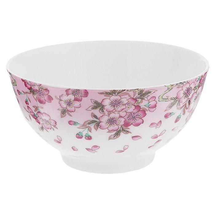 """Пиала Saguro """"Нежность"""" изготовлена из фарфора. Теперь приготовленное вами блюдо запомнится не только своим непревзойденным вкусом, но и яркой подачей. Конечно, если оно будет подано в этой пиале, украшенной изображением цветов. Пиала прекрасно подойдет подачи чая, для сервировки салатов, соусов и т.д., также ее можно использовать как емкость для супа, хлопьев, каши и других блюд. Сделайте свои блюда еще привлекательнее и красивее с помощью оригинальной пиалы. Пиала подойдет к любому интерьеру кухни, украсит обеденный или праздничный стол, сделав его более интересным и насыщенным. Нельзя использовать в микроволновой печи. Не применять абразивные чистящие вещества."""