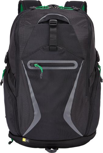 Case Logic Griffith Park BOGB-115 Black, рюкзак для ноутбука 15BOGB-115 BLACKФункциональный и удобный рюкзак для ноутбука до 15.6 и планшета 10.1 серии Griffith Park.Особенности рюкзака:Специальные карманы, которые подойдут для ноутбука и iPad / планшета, вместят всю необходимую электронику. Просторное отделение имеет карманы для оборудования и вшитый футляр для ключей, а также пространство для хранения необходимых вещей (от тетрадей до сменной одежды). Телефон в флисовом кармане, открывающемся сверху, на задней стенке рюкзака всегда будет защищен и доступен для пользователя. Мягкая спинка с вентиляционными отверстиями и регулируемый нагрудный ремень позволяют комфортно переносить ваше оборудование. В кармане в нижней части удобно хранить более крупные предметы, например сетевой адаптер, и куртку или замок для велосипеда во время отдыха. Передний потайной карман позволяет легко доставать или хранить часто используемые вещи. Он надежно закрывается на застежку-молнию. Большие боковые карманы предоставят дополнительное пространство для хранения аксессуаров и подойдут для хранения бутылки с водой. Боковые стягивающие ремни позволяют регулировать размер рюкзака до необходимого.Объем 21 л.Карманы закрываются на застежки-молнии.