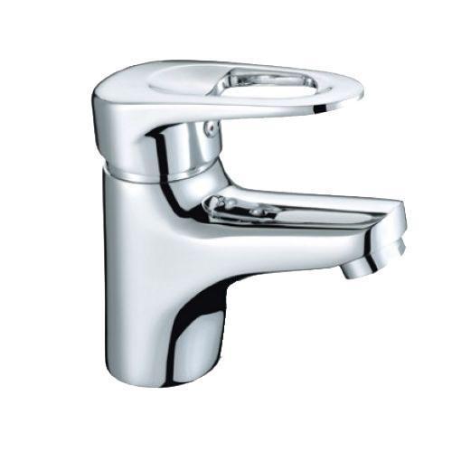 Смеситель для умывальника, Adriatic, Milardo, ADRSB00M01ADRSB00M01*Материал корпуса – латунь высокого качеств *Многослойное, стойкое к истиранию никель-хромовое покрытие. Долговечные керамические картриджи. Диаметр картриджа – 35 мм. *Съемный пластиковый аэратор обеспечивает струю, мягкий и экономичный поток воды. *В комплекте: гибкая подводка, комплект креплений. *Гарантия 3 года.*Сервисные центры на территории продаж. Материал: латунь,полиамид, стекловолокно, керамика, пластик, нержавеющая сталь