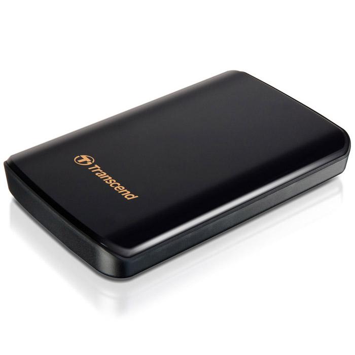 Transcend StoreJet 25D3 1TB, Black внешний жесткий диск (TS1TSJ25D3)TS1TSJ25D3Одно из первых периферийных устройств, совместимых с USB 3.0 - это 2,5-дюймовый ударопрочный портативный жесткий диск Transcend StoreJet 25D3. Модель SuperSpeed USB 3.0 отличается более высокой производительностью, чем внешние жесткие диски с интерфейсом USB 2.0. Скорость передачи данных в реальных условиях достигает 90 МБ/с. StoreJet 25D3 представляет собой высокоскоростное и долговечное решение для работы со сложными современными устройствами благодаря повышенной скорости передачи данных и усовершенствованной конструкции. StoreJet 25D3 обратно совместим с интерфейсом USB 2.0, что дает возможность пользователям получить доступ к файлам практически с любого компьютера. Благодаря многоцветному светодиодному индикатору USB 3.0/2.0 можно с легкостью определить тип текущего соединения накопителя. При подключении по USB 2.0 индикатор будет оранжевым, при подключении по USB 3.0 индикатор будет синим. Под внешне хрупким корпусом с блестящим покрытием находится амортизационная система, использующая технологию внутренней подвески. Передовая система внутренней подвески жесткого диска помогает предотвратить повреждения при случайном падении во время транспортировки, которые могут вызвать потерю большого объема данных. StoreJet 25D3 автоматически переходит в режим ожидания после десяти минут бездействия, сохраняя до 40% энергии.Индикатор режима работыЧастота вращения 5400 об/минПоддержка стандарта Plug&PlayПоглощающая удары и вибрации двухуровневая система защитыНакопитель автоматически переходит в режим сна после десяти минут простояСкорость передачи данных: до 5 Гб/сСистемные требования: Windows XP/Vista/Windows 7, Mac OS X 10.4 (только USB 2.0), Linux Kernel 2.6.31