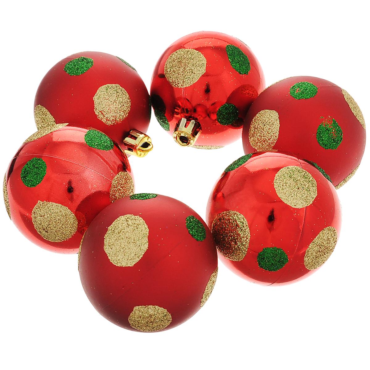 Набор новогодних подвесных украшений Шар, цвет: золотистый, красный, диаметр 6 см, 6 шт. 3550535505Набор новогодних подвесных украшений Шар прекрасно подойдет для праздничного декора новогодней ели. Состоит из шести шаров.Елочная игрушка - символ Нового года. Она несет в себе волшебство и красоту праздника. Создайте в своем доме атмосферу веселья и радости, украшая новогоднюю елку нарядными игрушками, которые будут из года в год накапливать теплоту воспоминаний. Коллекция декоративных украшений принесет в ваш дом ни с чем несравнимое ощущение волшебства! Откройте для себя удивительный мир сказок и грез. Почувствуйте волшебные минуты ожидания праздника, создайте новогоднее настроение вашим дорогим и близким.